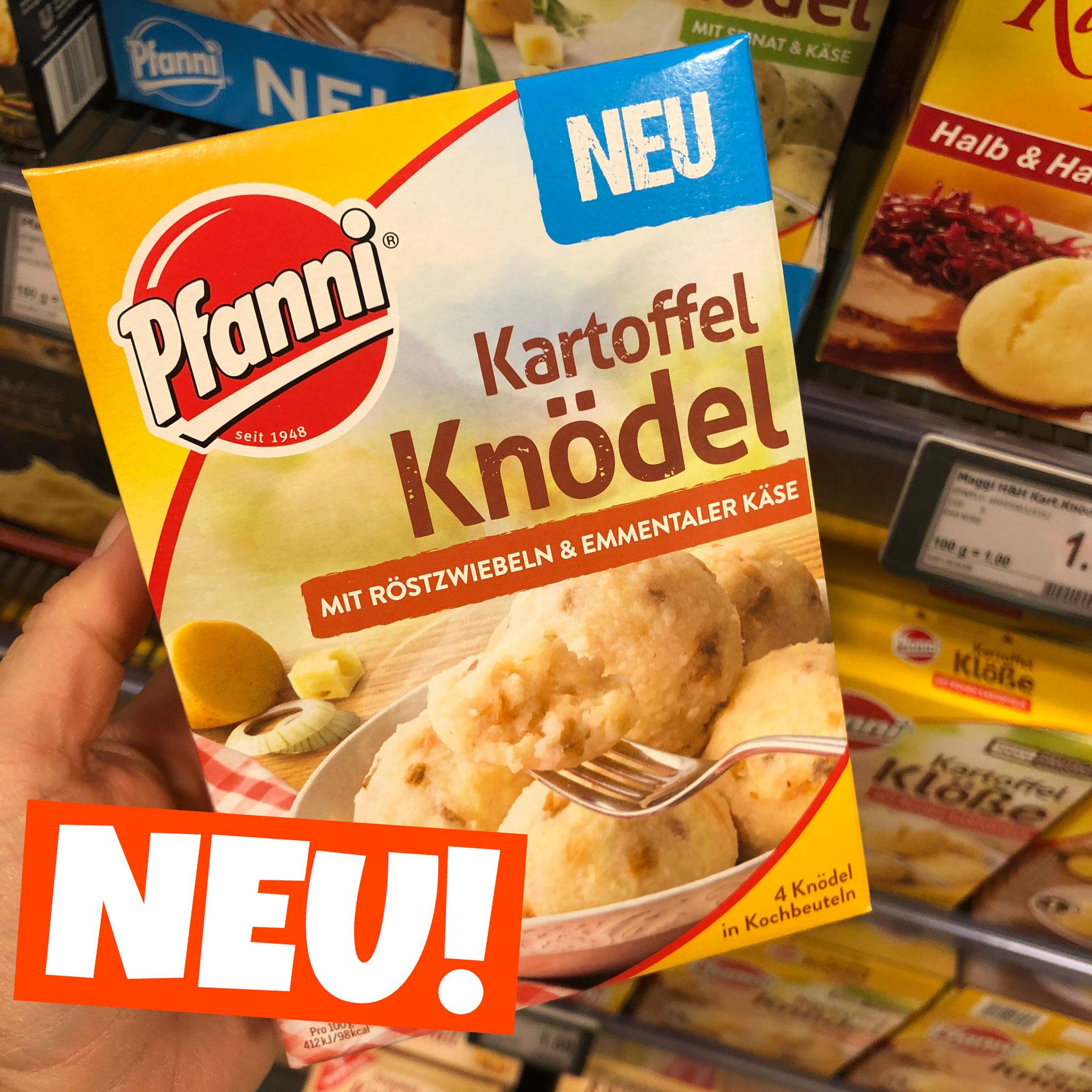 Pfanne Kartoffel Knödel mit Röstzwiebeln und Emmentaler Käse