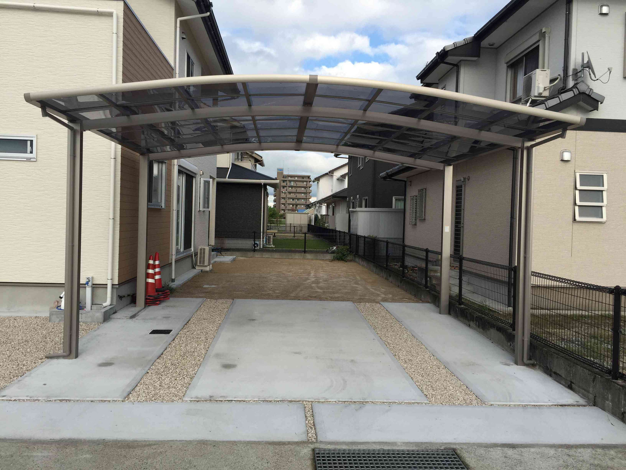 R屋根のカーポート