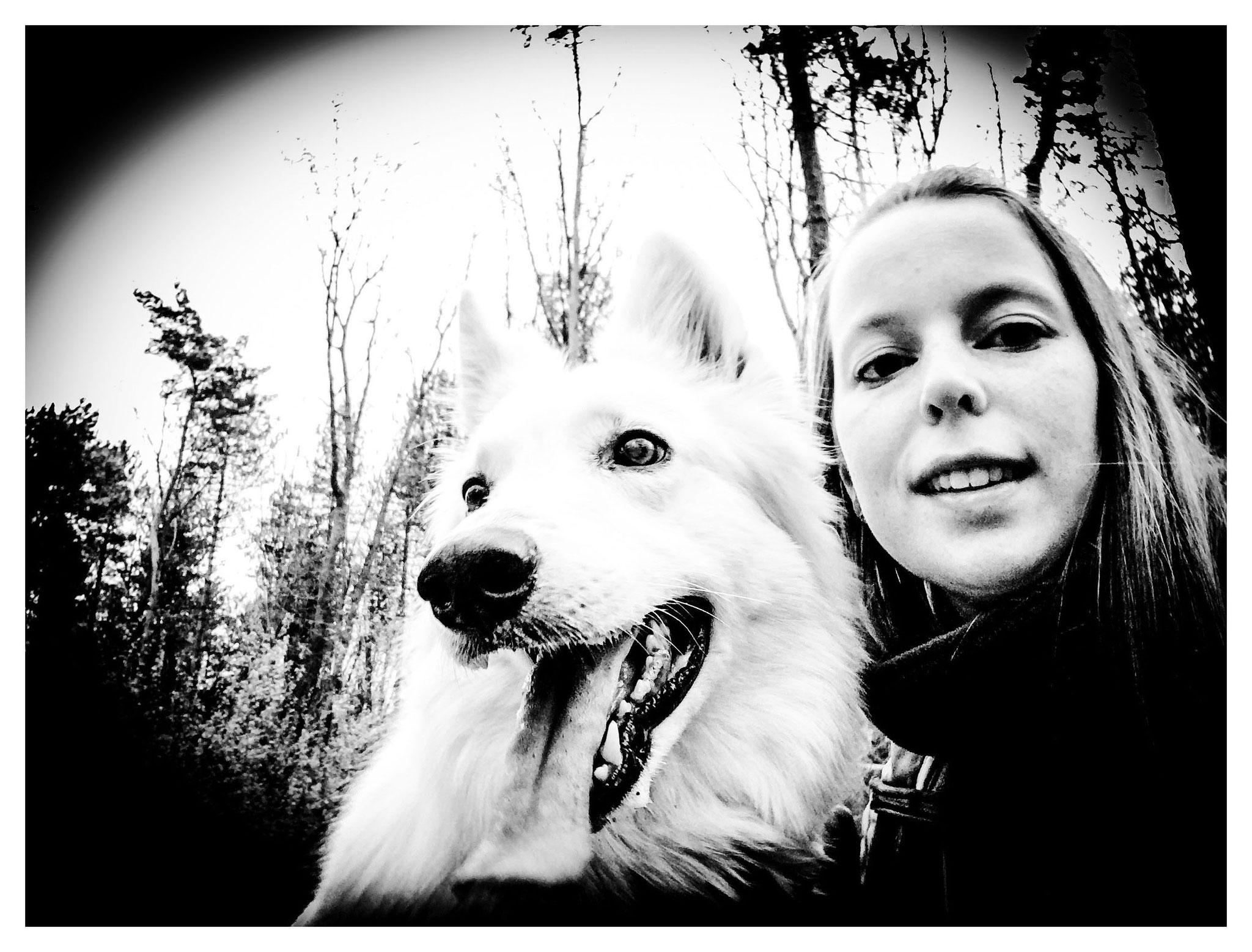Kaly & me in het hondenbos II