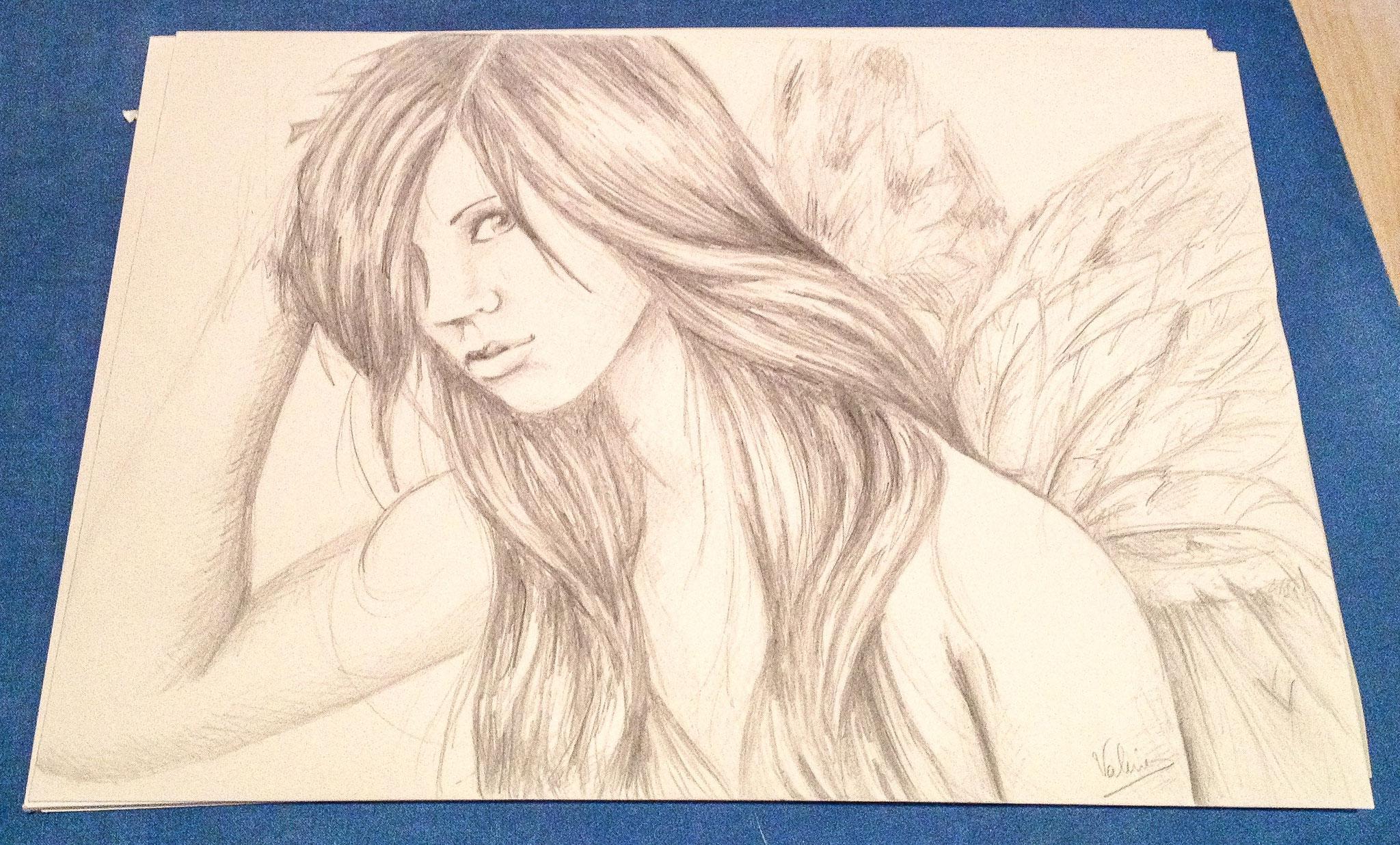 Elfenportret (HB vulpotlood op wit papier)