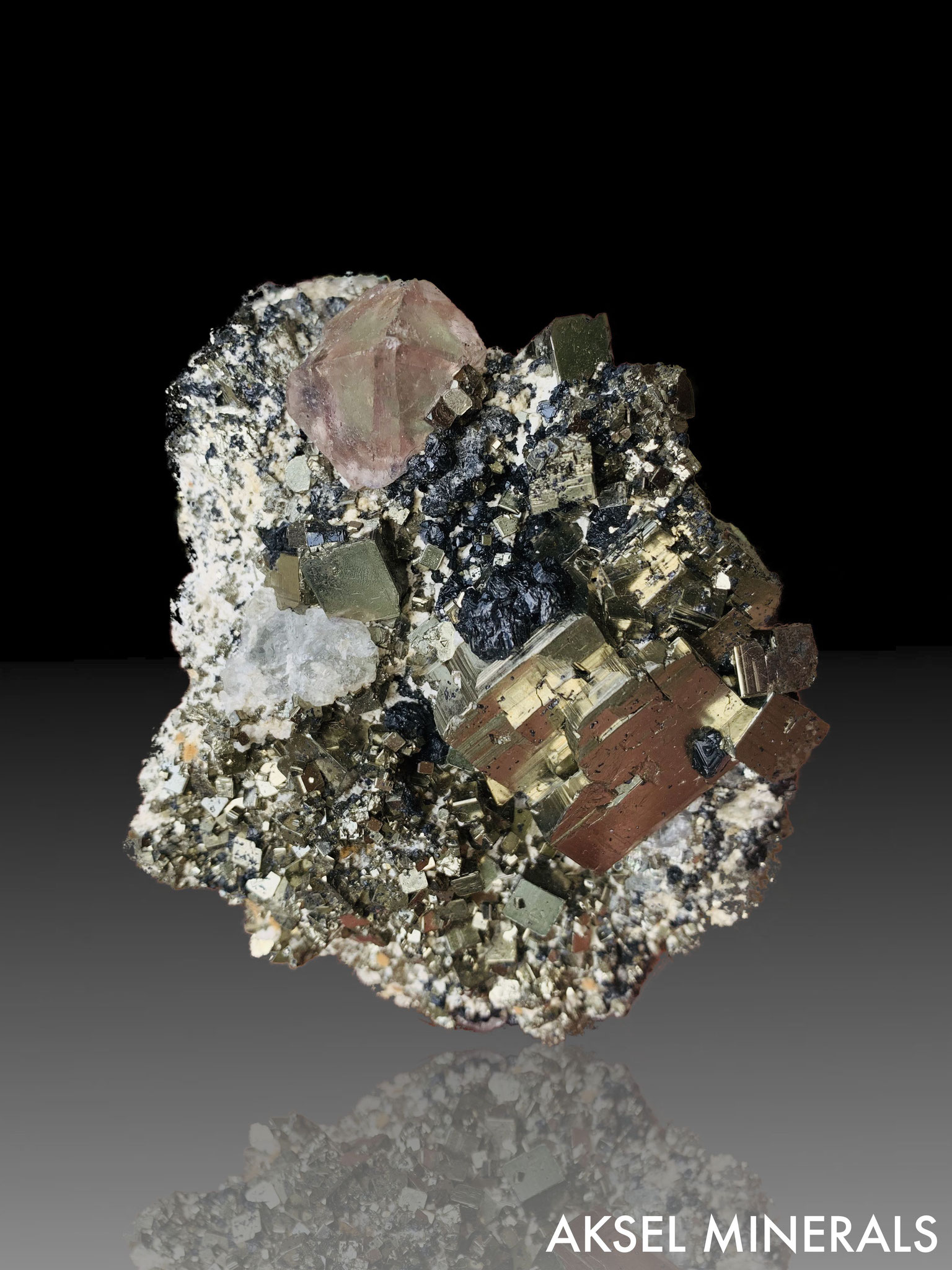 AM397 - Fluorite sur Pyrite ex Rock Currier - Huanzala Mine, Huallanca District, Dos de Mayo Province, Pérou