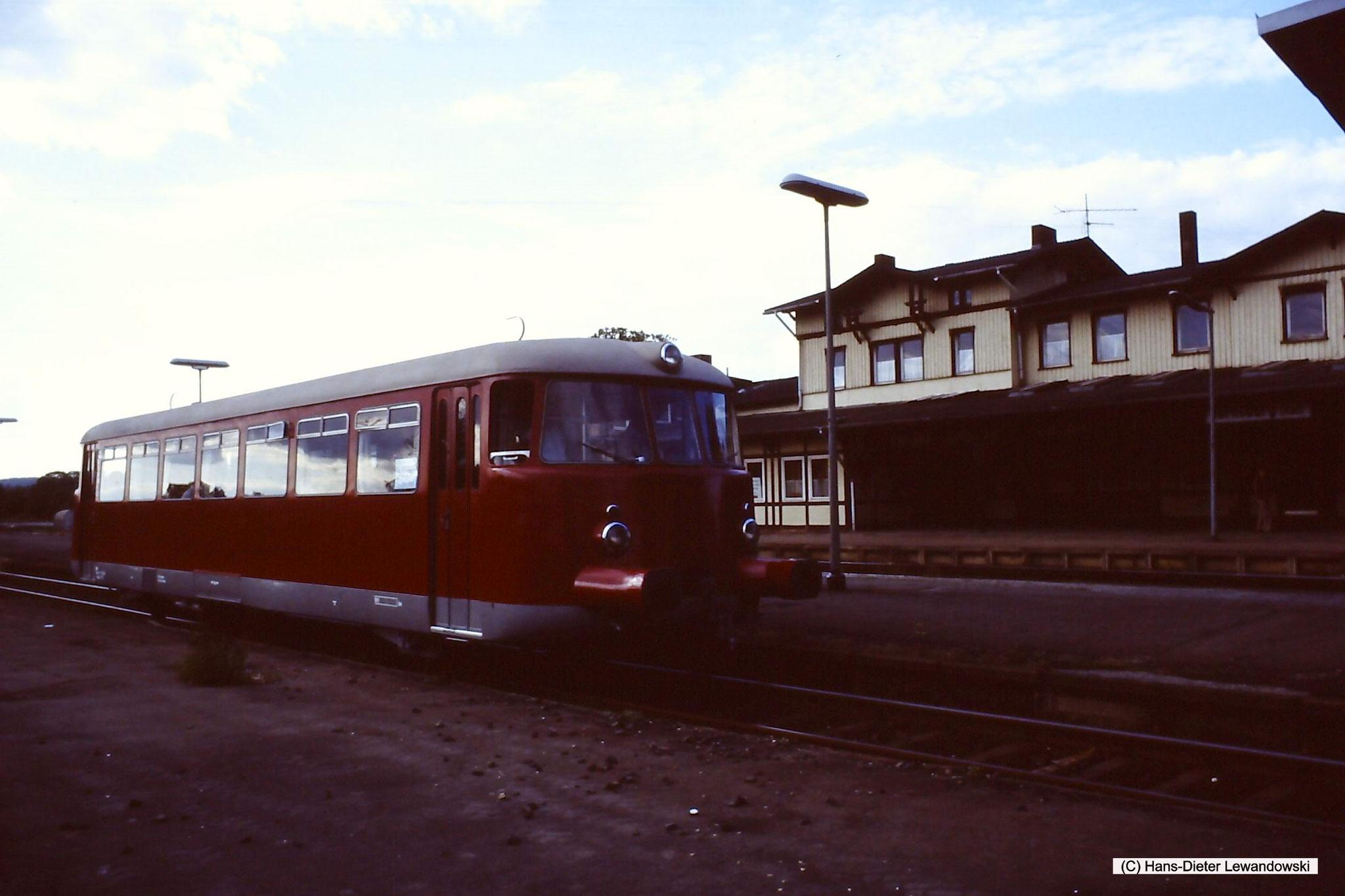 Bahnhof Derneburg mit MAN - VT 1 der Dampflok-Gemeinschaft 41 096 e.V.