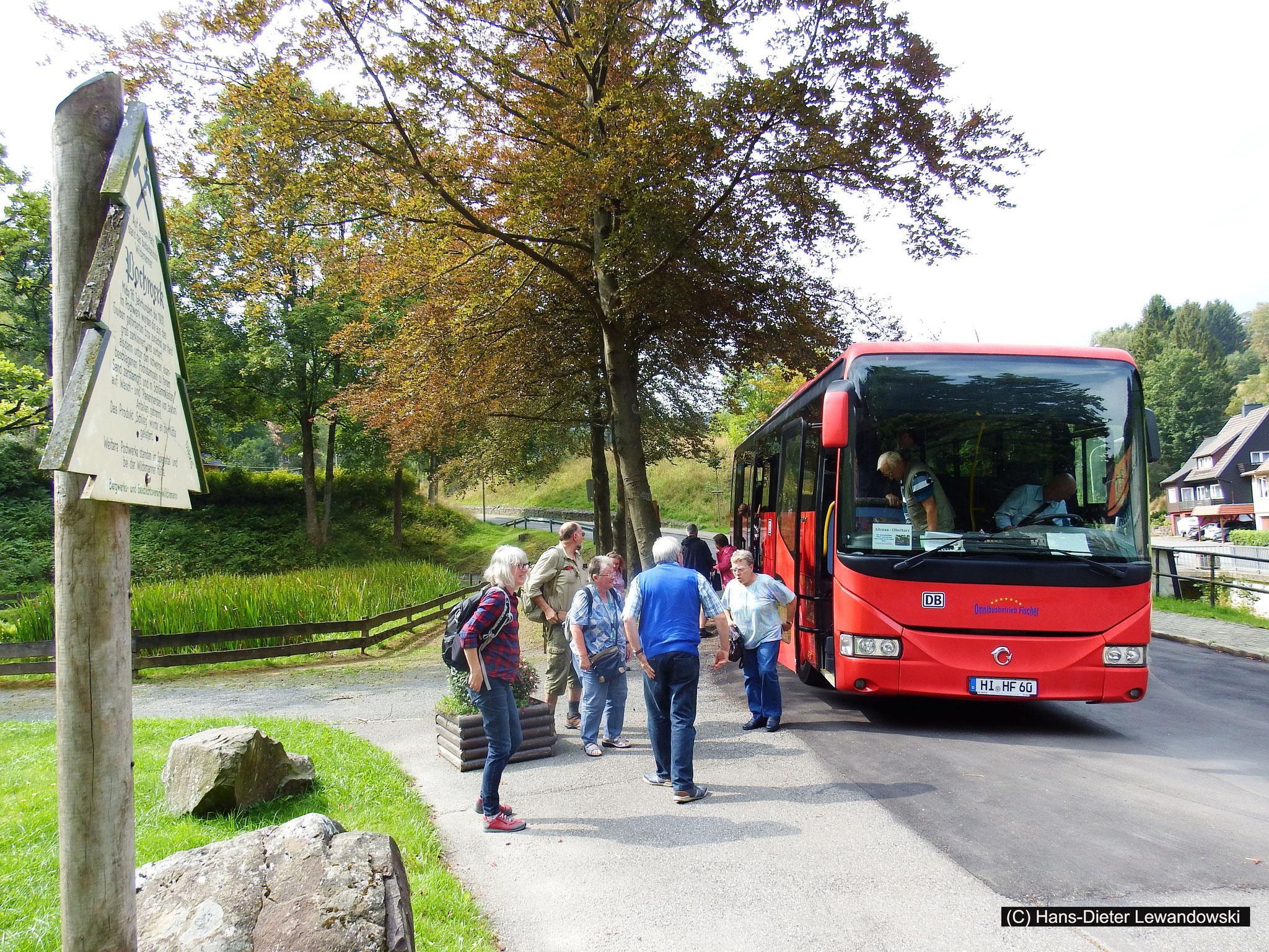 """Der """"Rote Bahnbus"""" in Wildemann"""