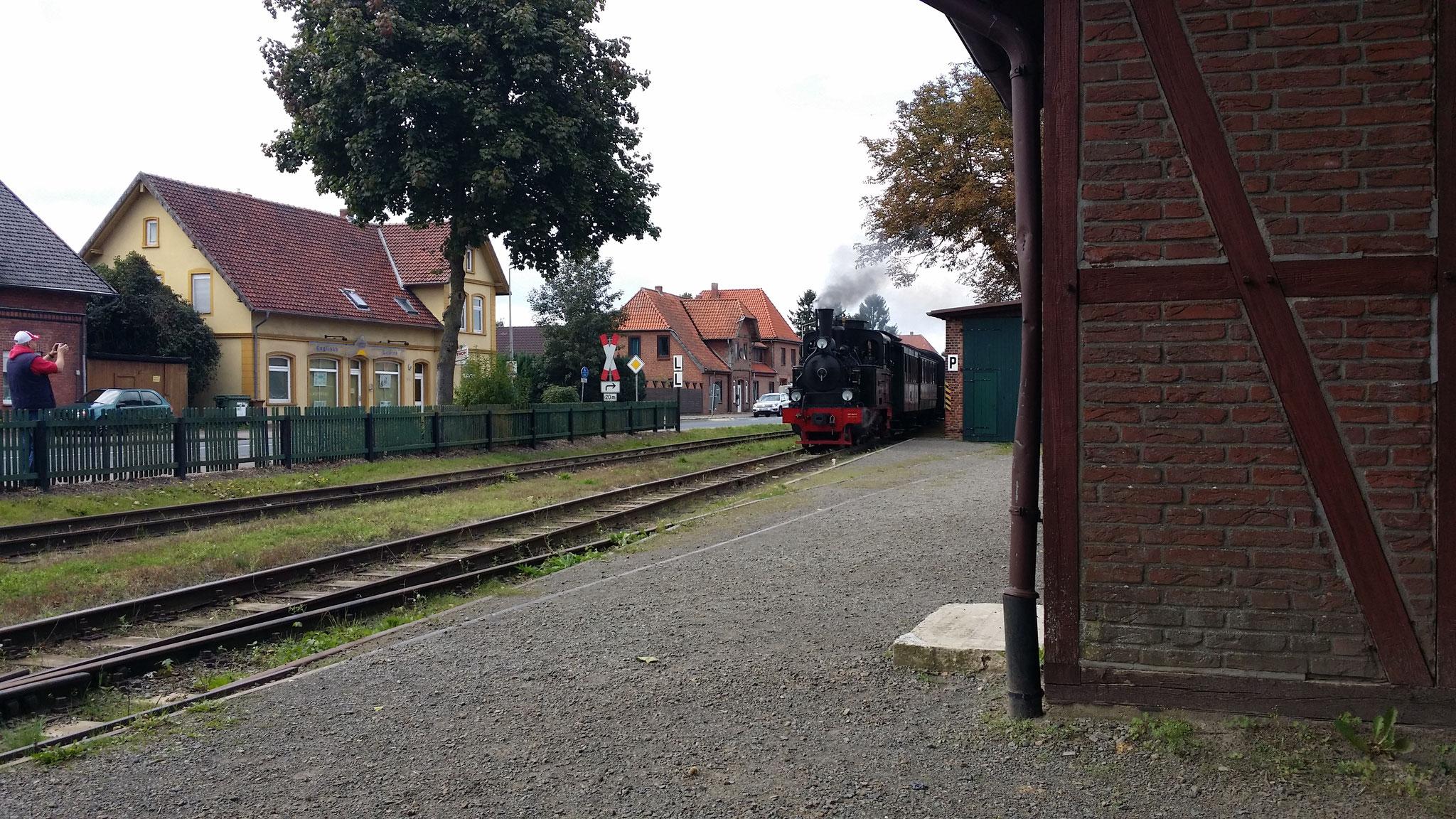 Ankunft vom Dampfzug in Asendorf