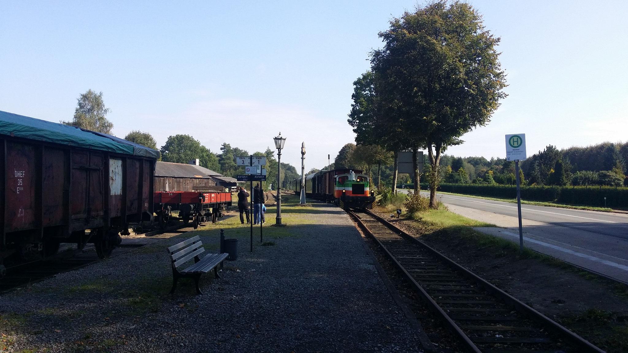 Einfahrt vom Sonderzug in Harpstedt