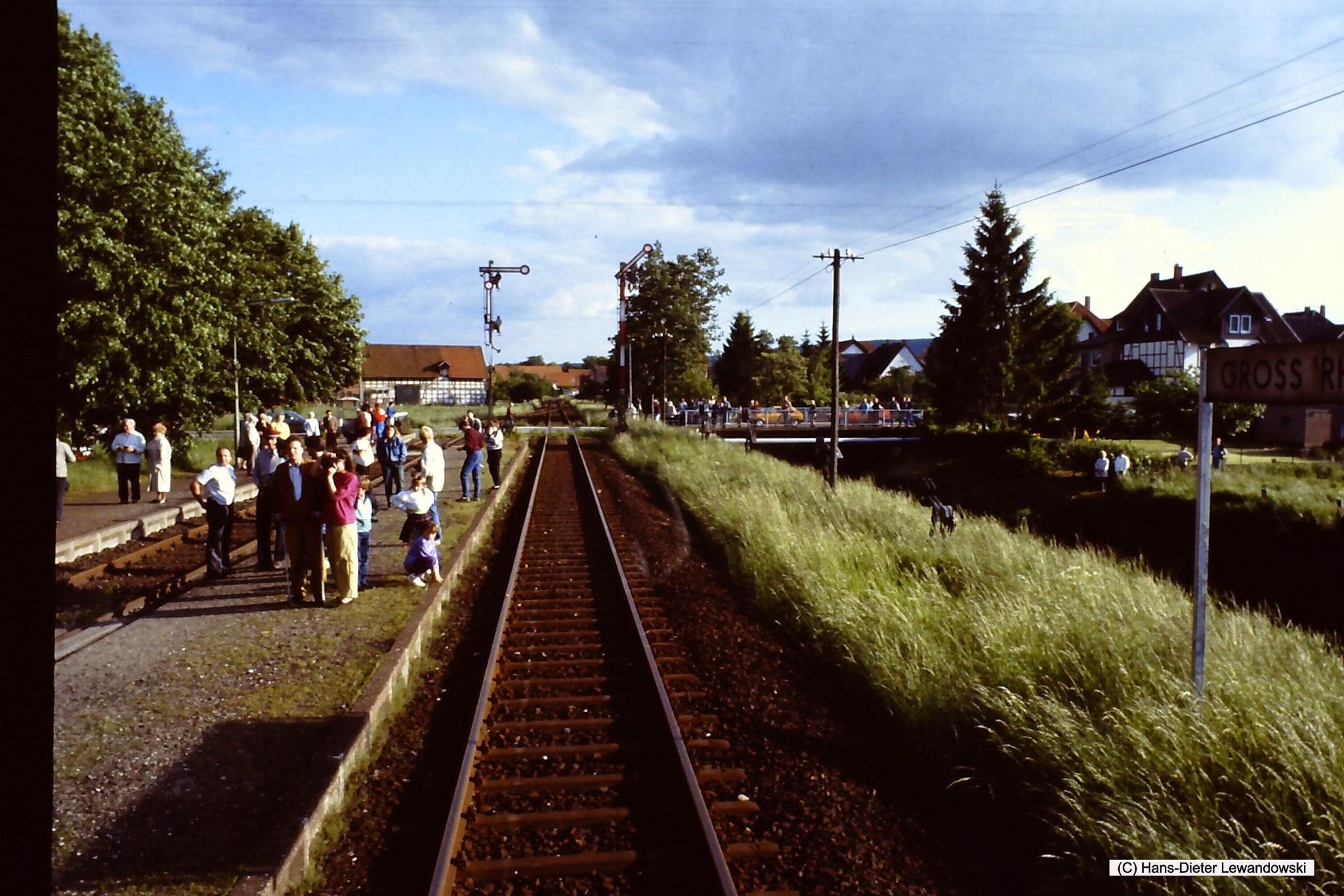 Ausfahrt Bahnhof Grossrhüden