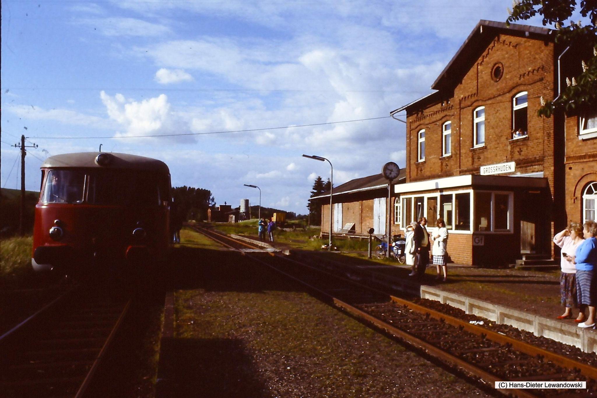 Bahnhof Grossrhüden mit MAN - VT 1 der Dampflok-Gemeinschaft 41 096 e.V.