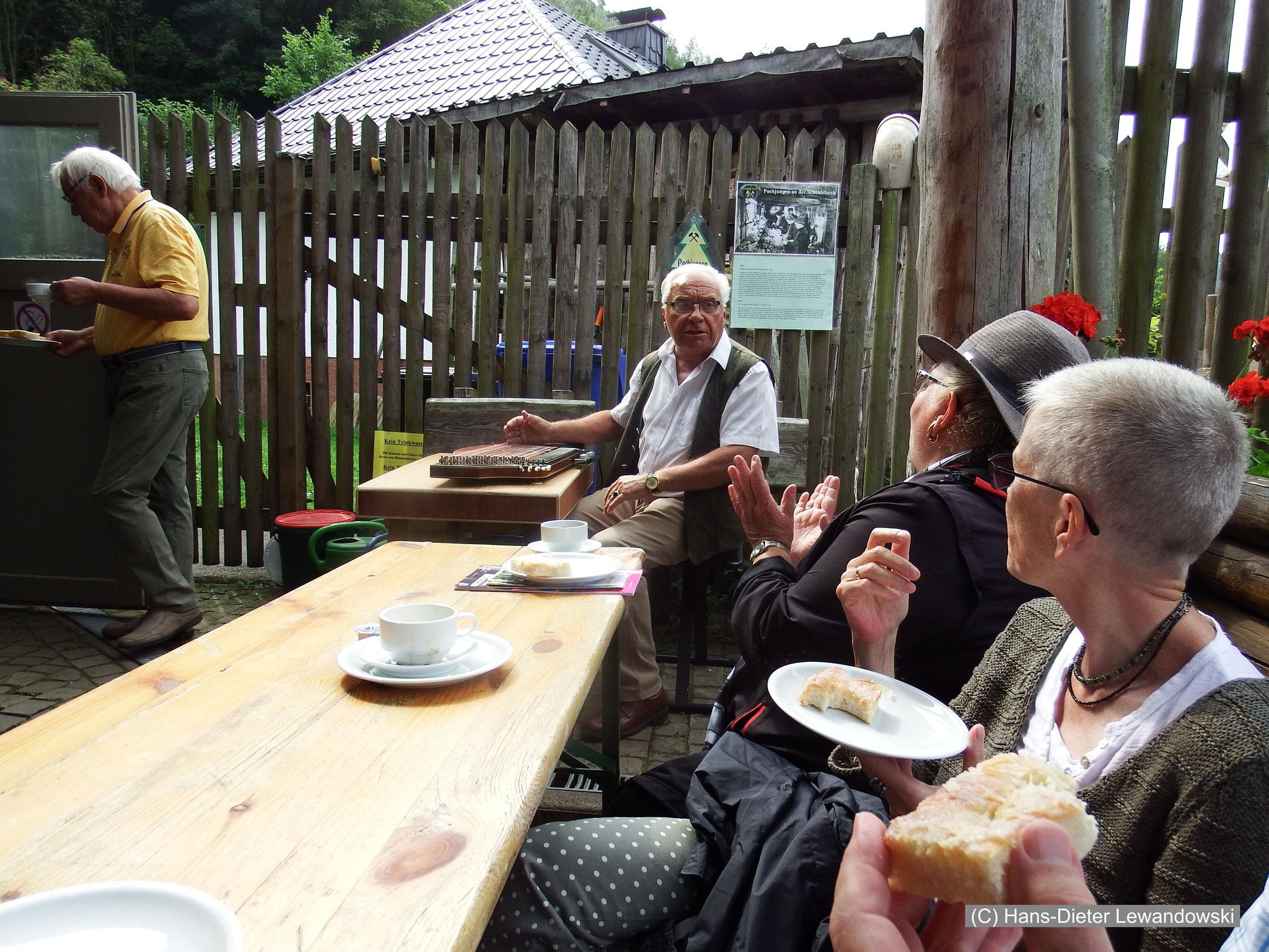 Kaffeetrinken am 19-Lachter-Stollen in Wildemann