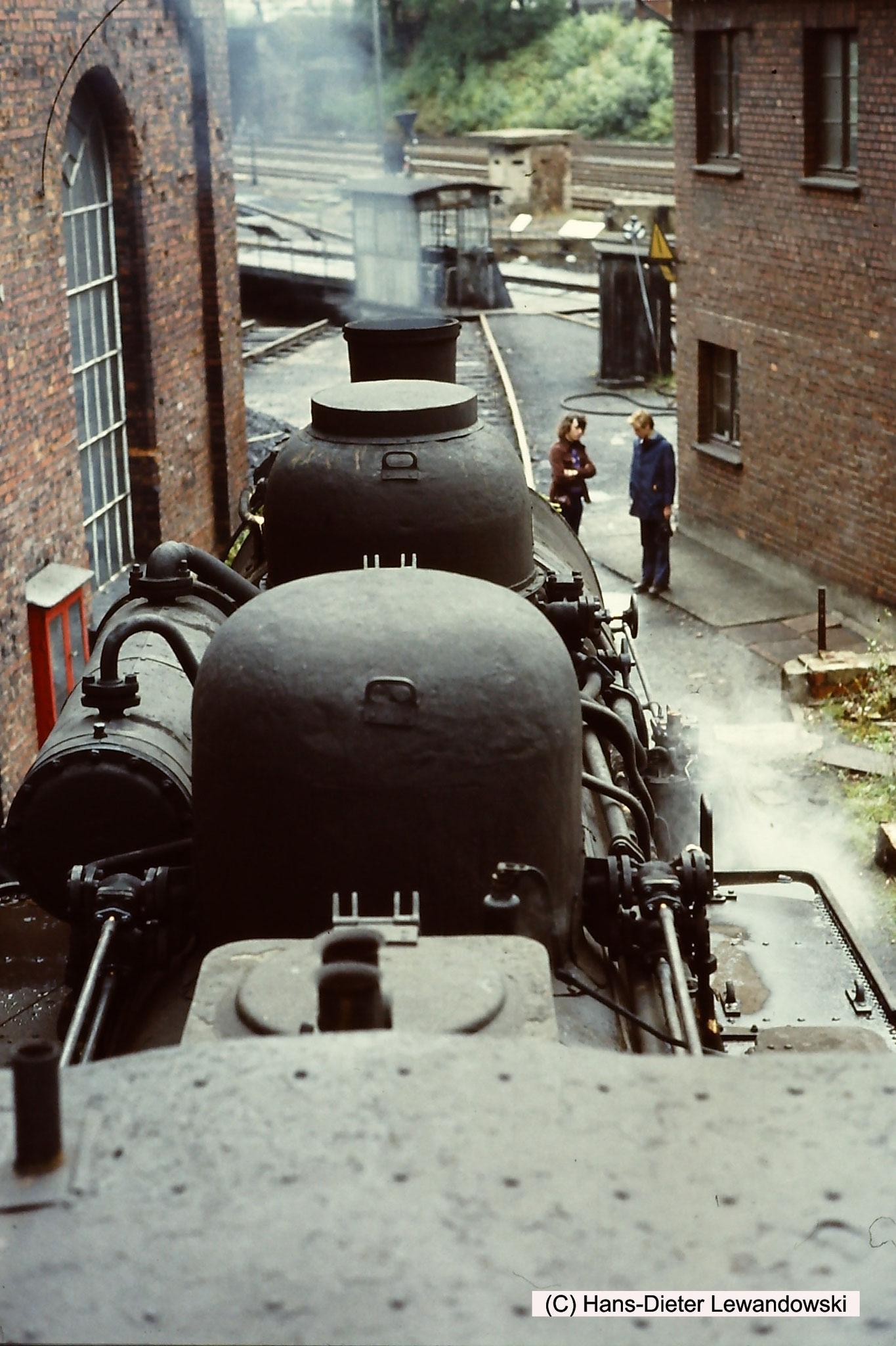 Die letzte preußische T 16.1 mit der Loknummer 94 184 verabschiedet sich vom Bw Seesen