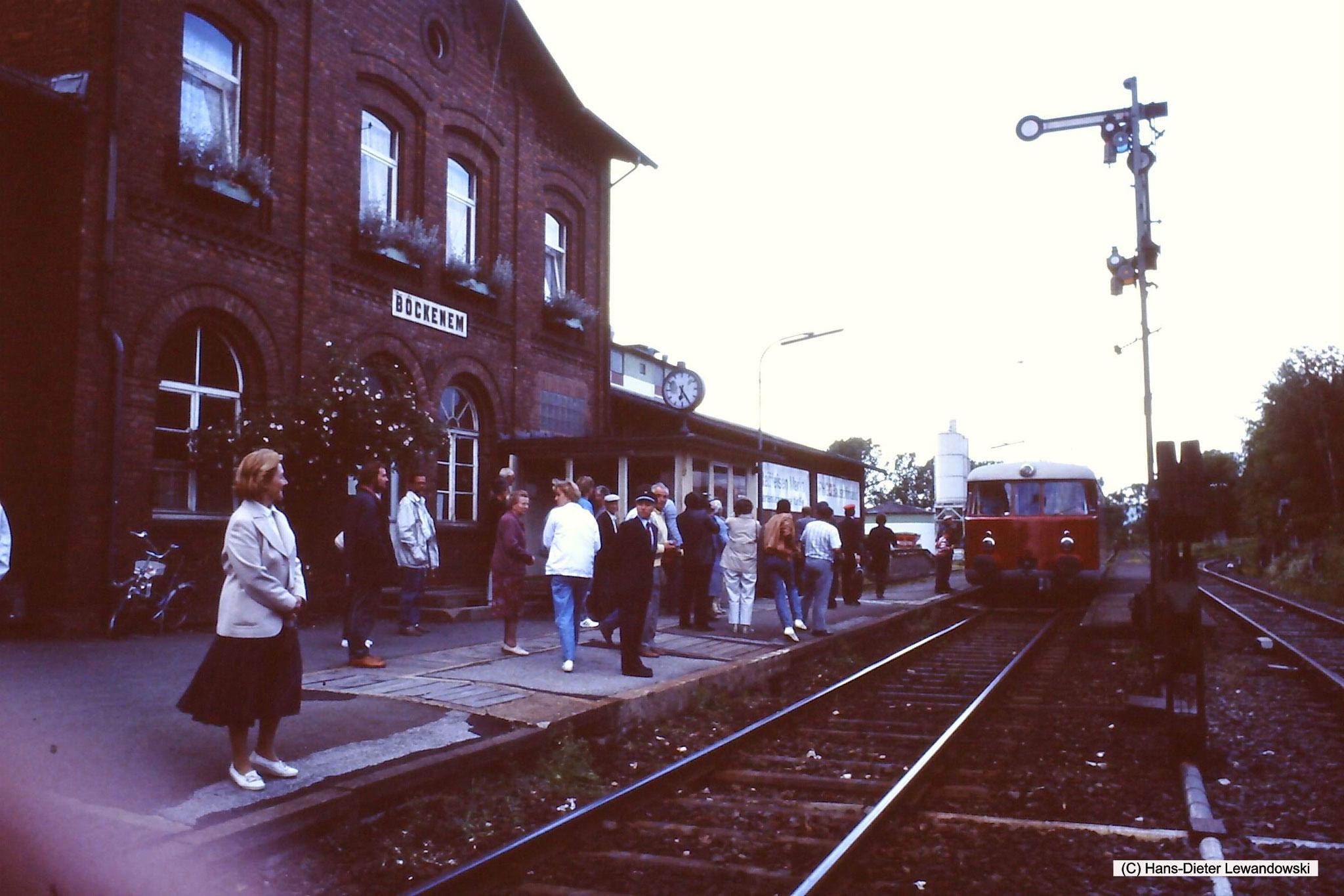 Bahnhof Bockenem mit MAN - VT 1 der Dampflok-Gemeinschaft 41 096 e.V.