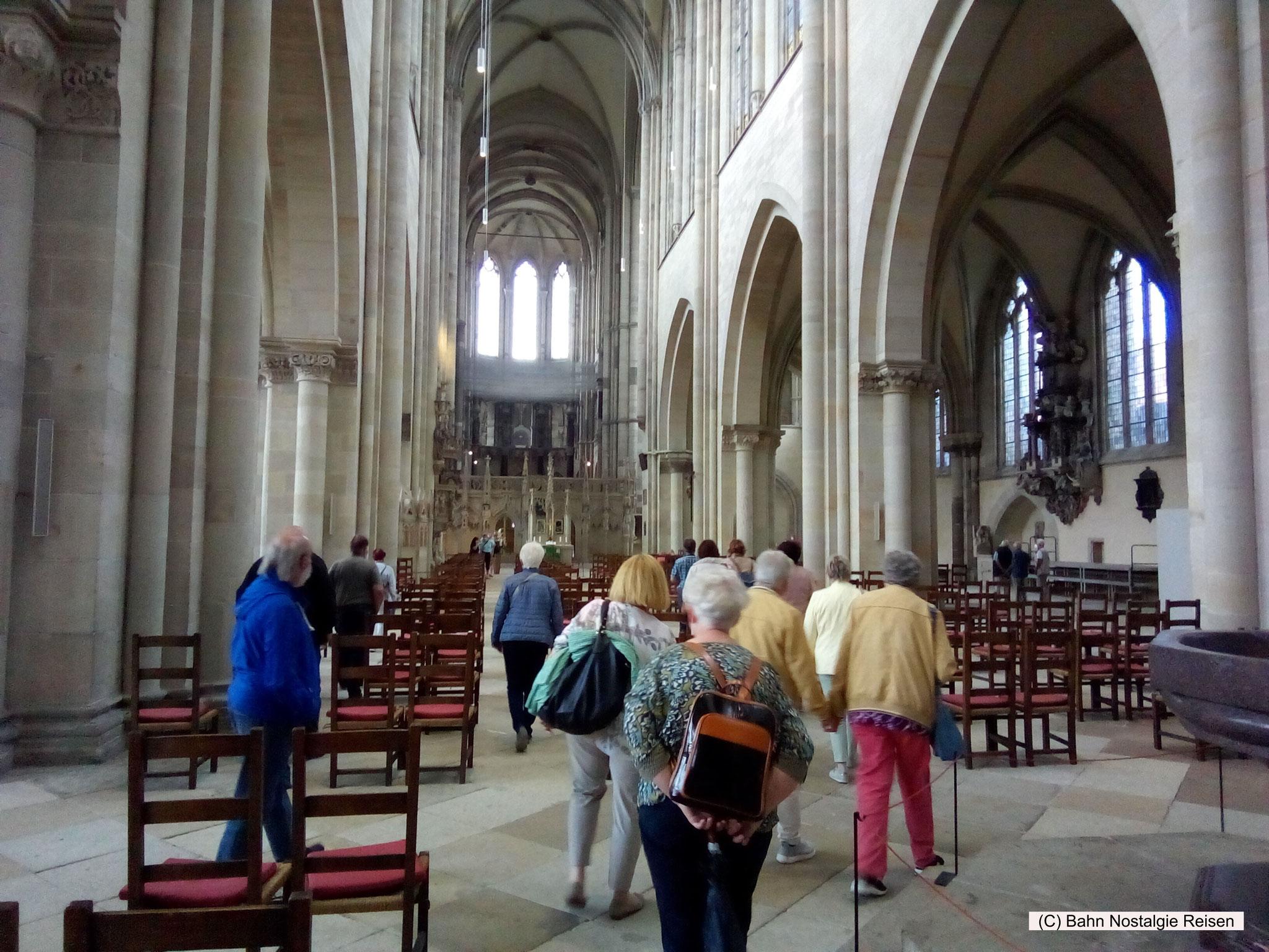 Unsere Reisegruppe bei der Dombesichtigung in Magdeburg
