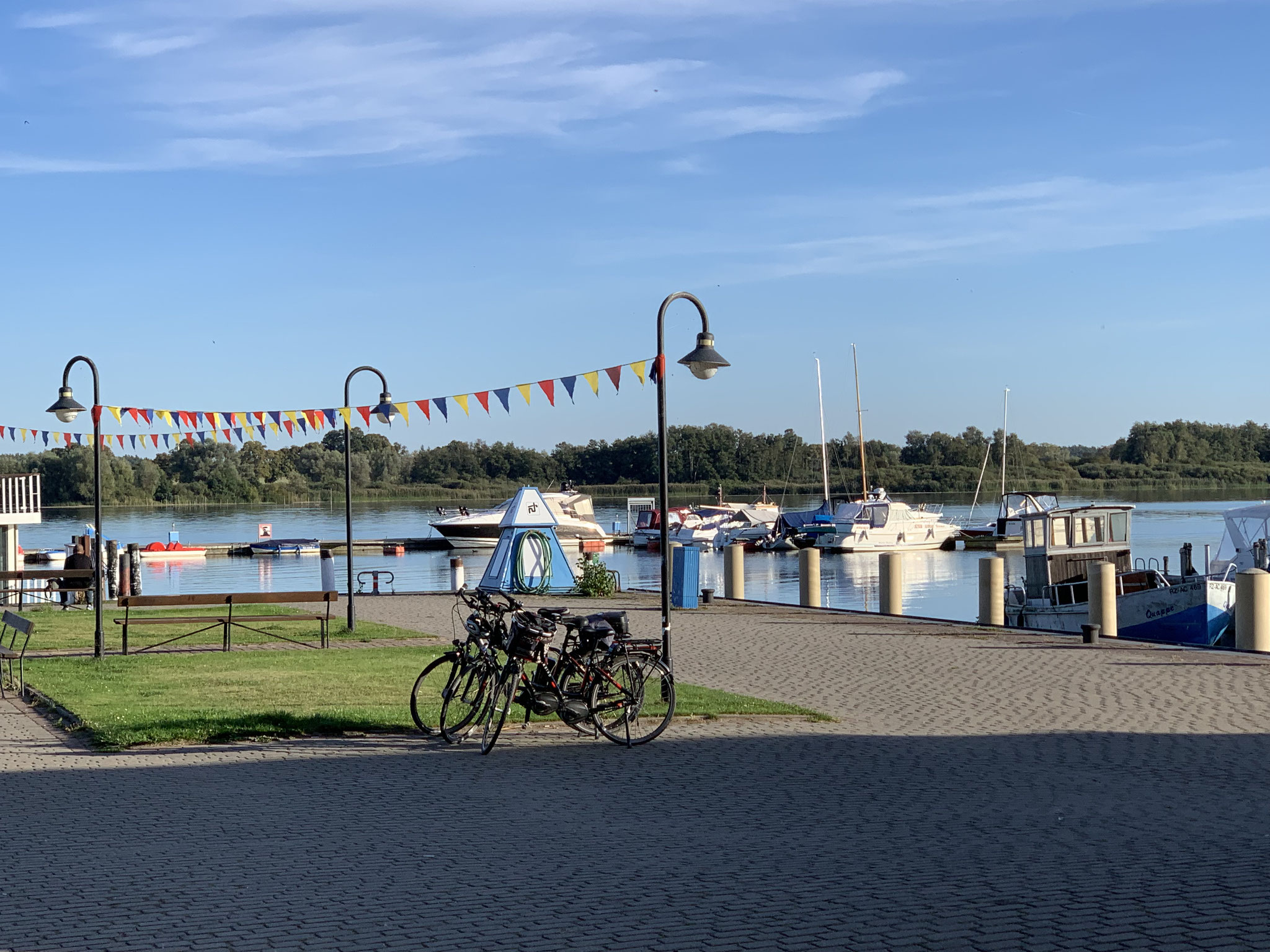 mit dem Fahrrad nach Sietow - frischer Räucherfisch