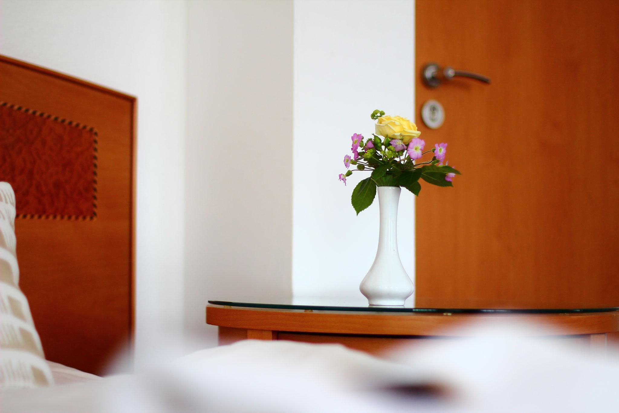 Dekoration im Doppelzimmer