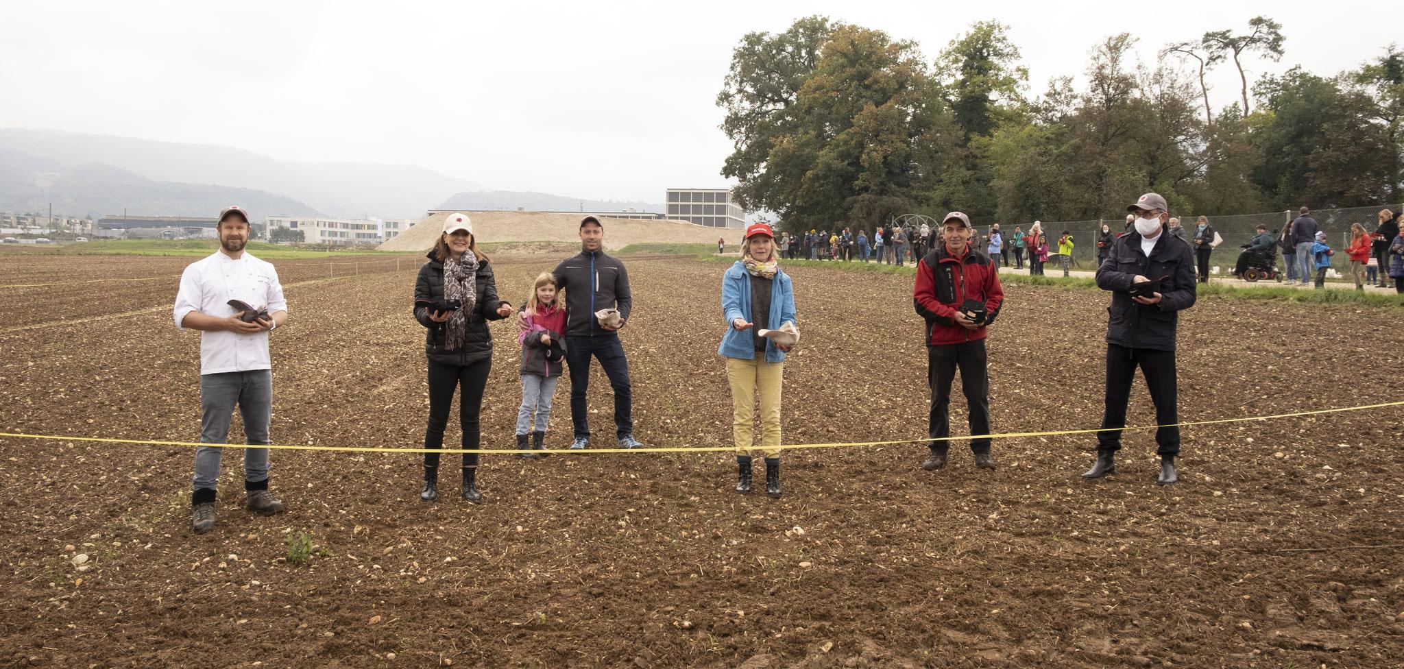 Andre Grellinger (Bäcker), Florence Develey (ref.Pfarrerin), Sämi Graf(Mühle Graf), Maya Graf (Ständerätin BL), Christian Schürch (Landwirt), Alex Maier (kath. Pfarrer)