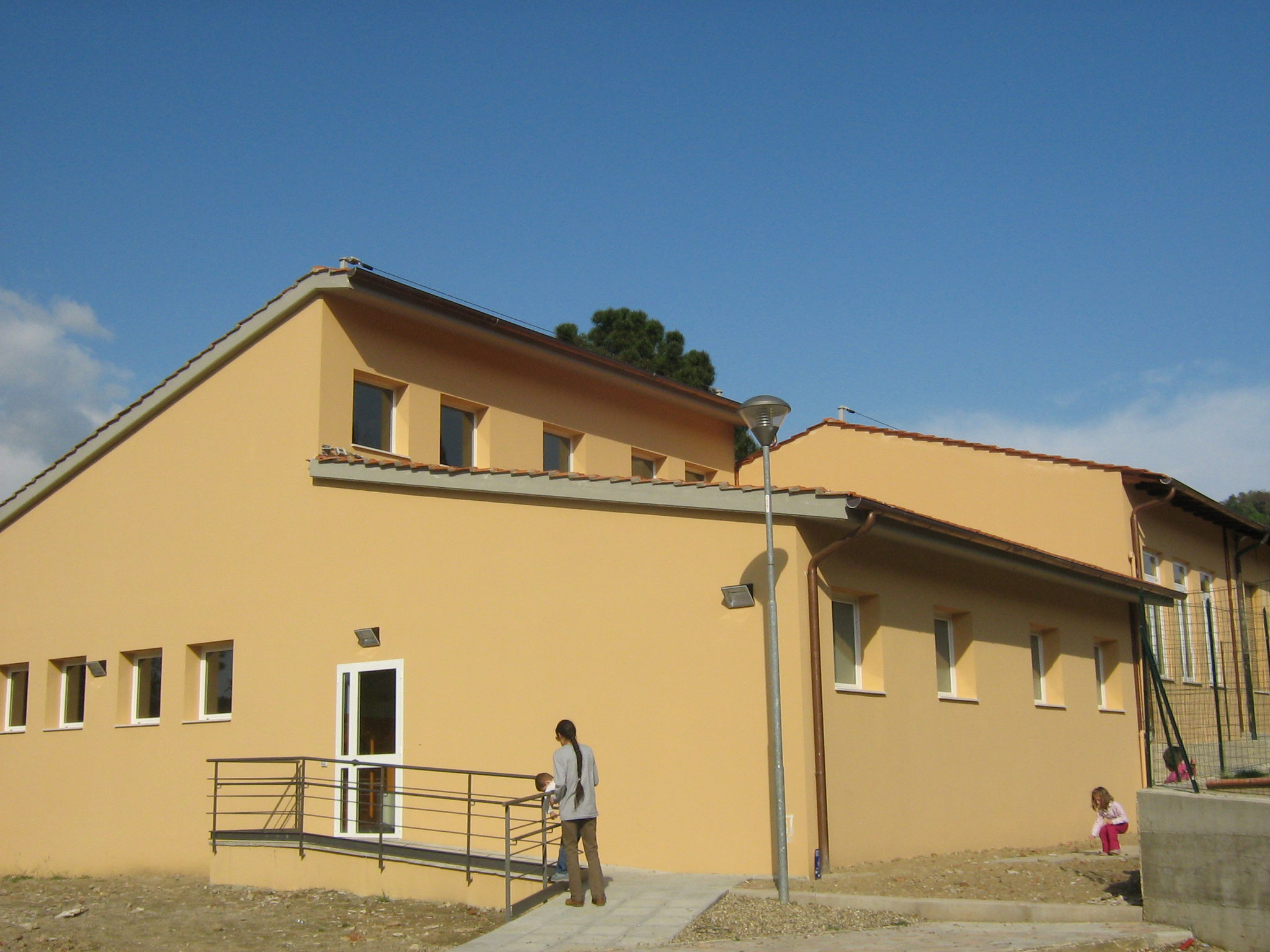 COMUNE DI GREVE IN CHIANTI - Realizzazione aula polivalente presso la scuola elementare di San Polo.