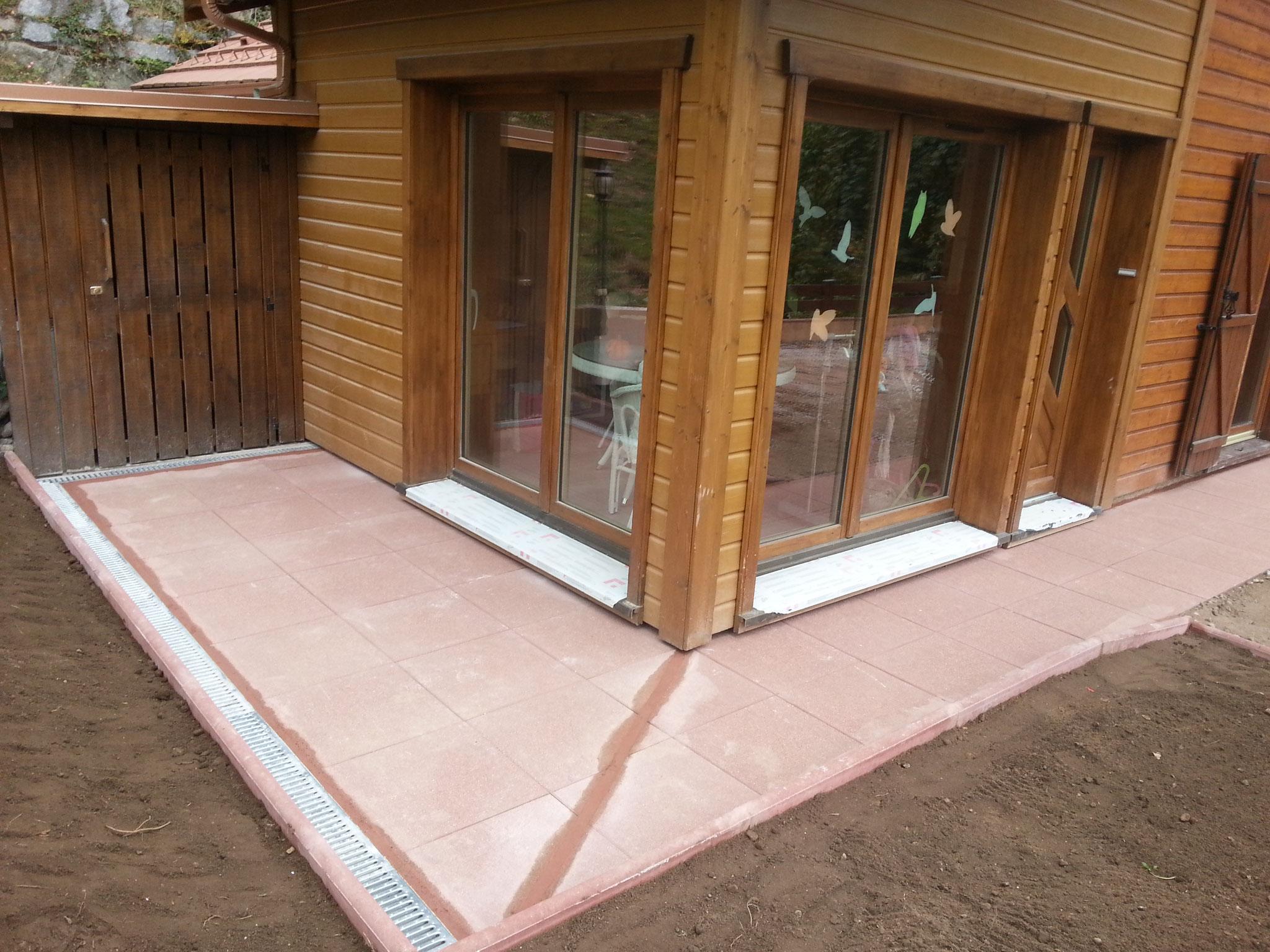 Finition terrasse exterieur en dalle de grès