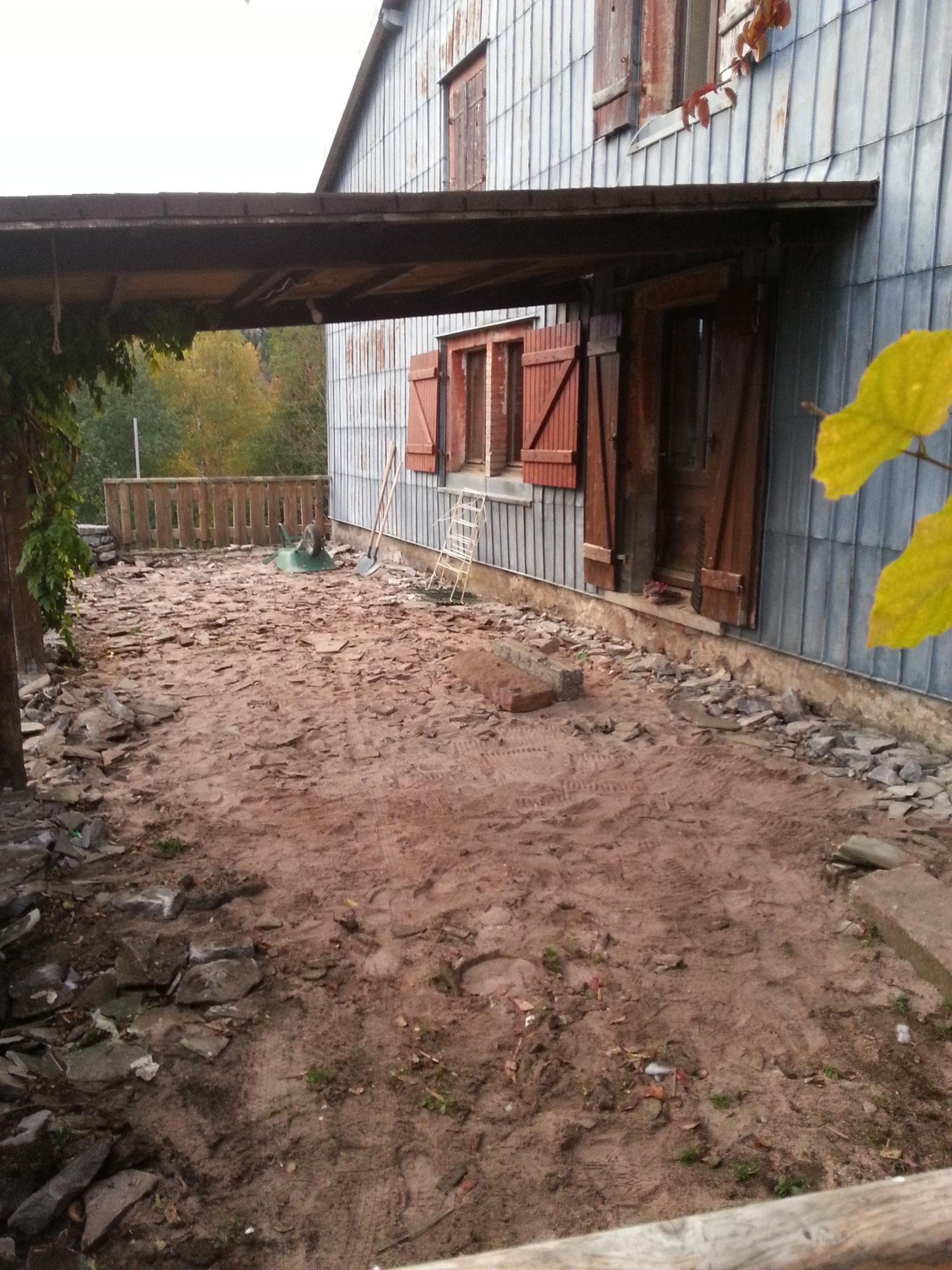 Préparation sol pour terrasse pierre