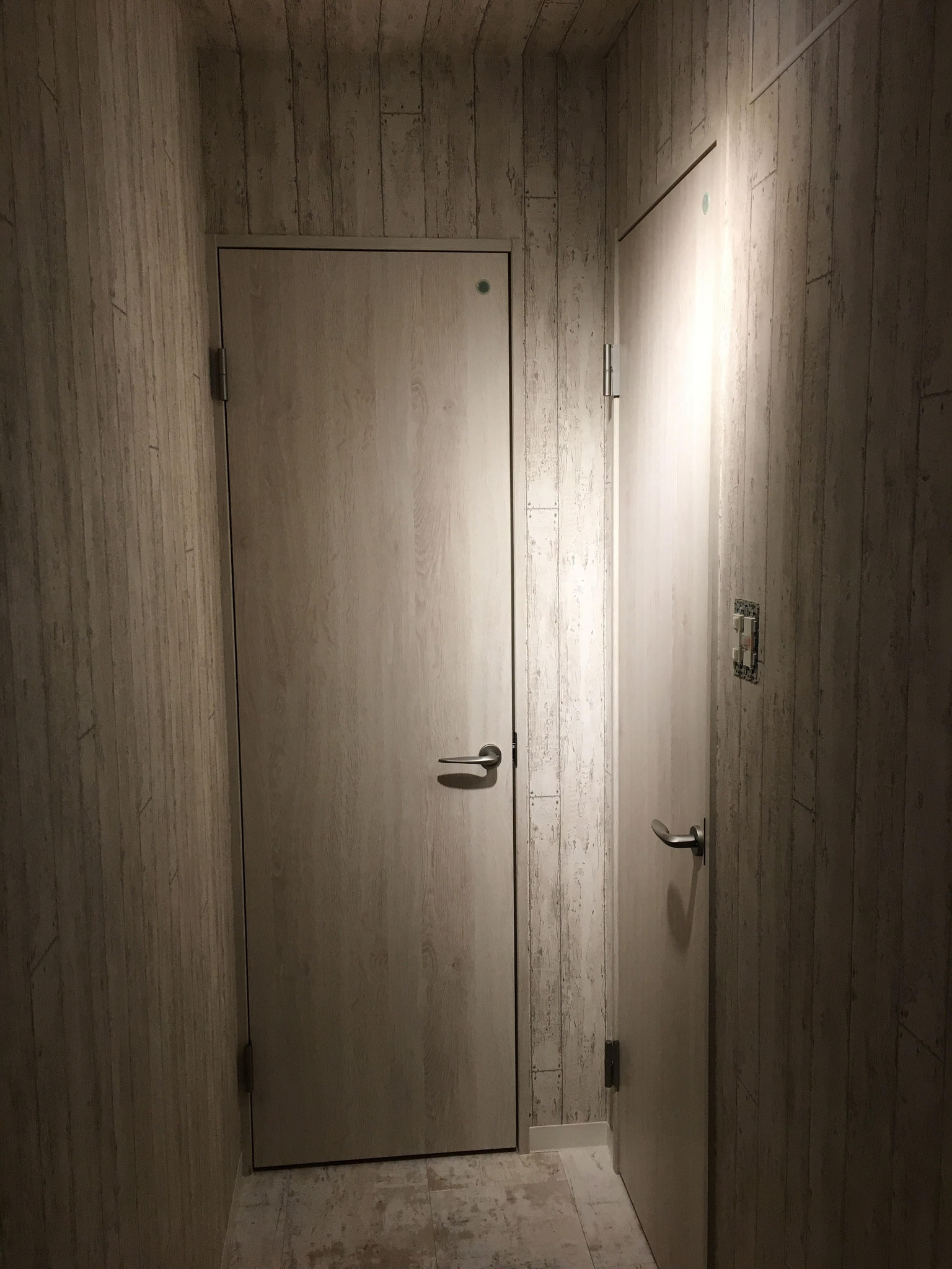 トイレ 建具