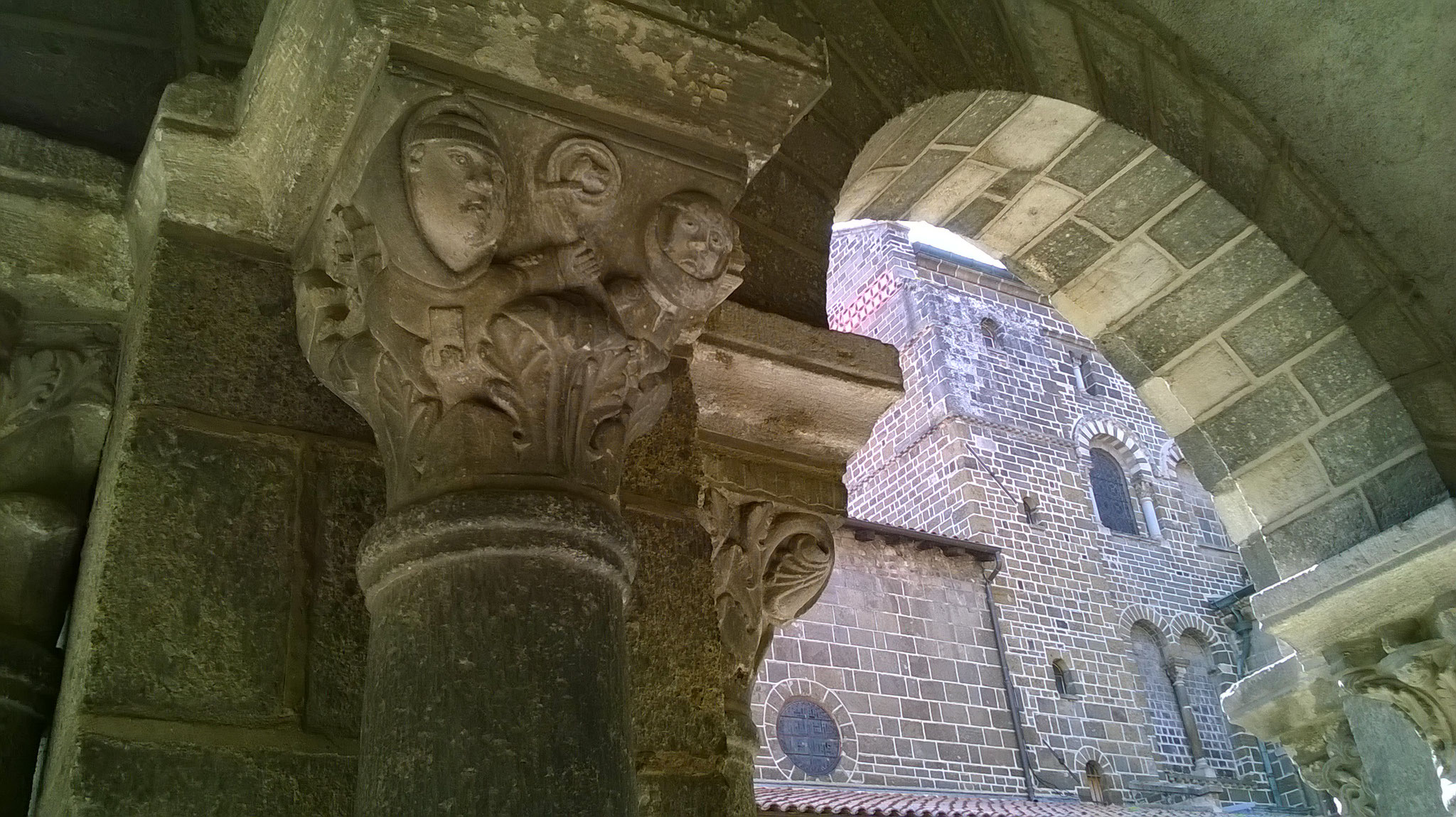 Le Puy en Velay - le cloître