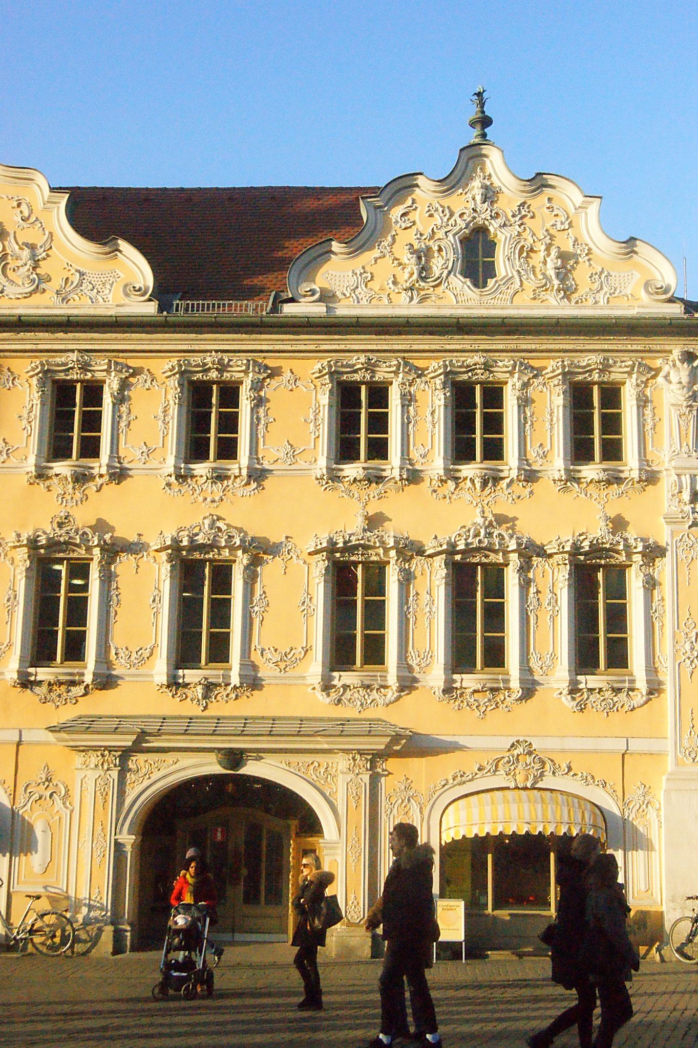 Falkenhaus mit Tourist-Information, Würzburg
