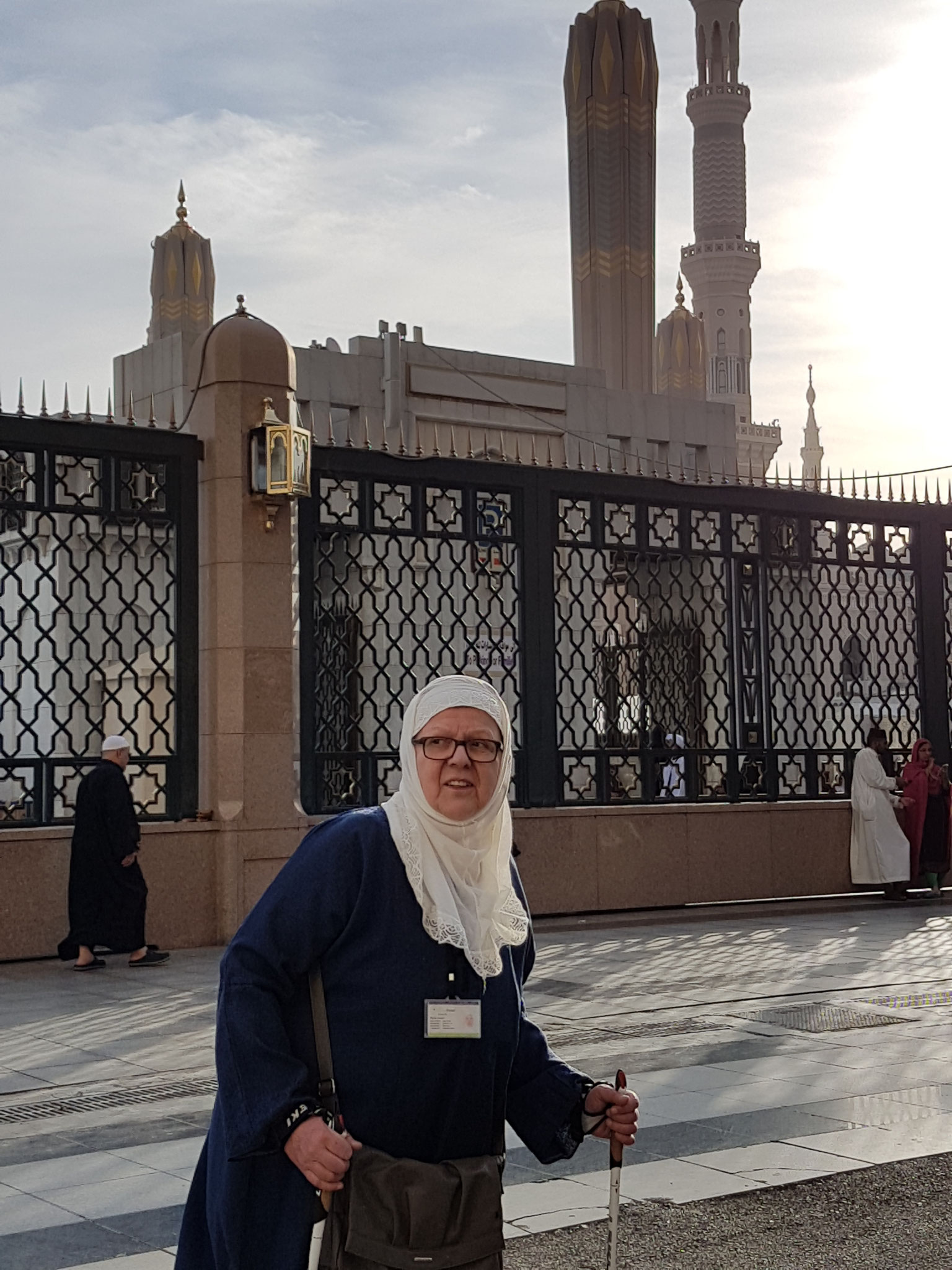 Ich vor dem Moschee-Eingang