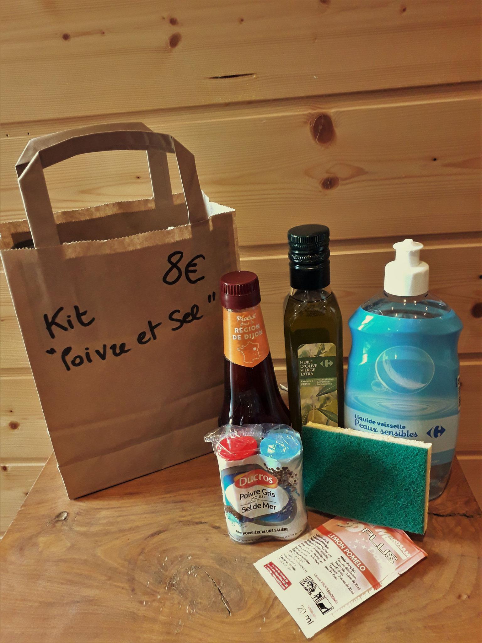 """Un kit""""Poivre et Sel"""" en vente à l'accueil pour 8 €"""