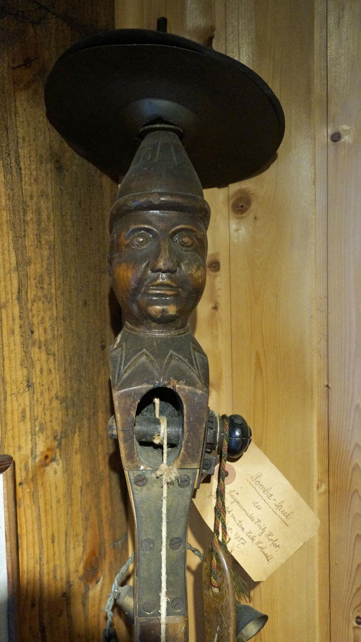 Fritz Hofers Original Pomba Instrument steht im Unterländer Heimatmuseum Oberweningen