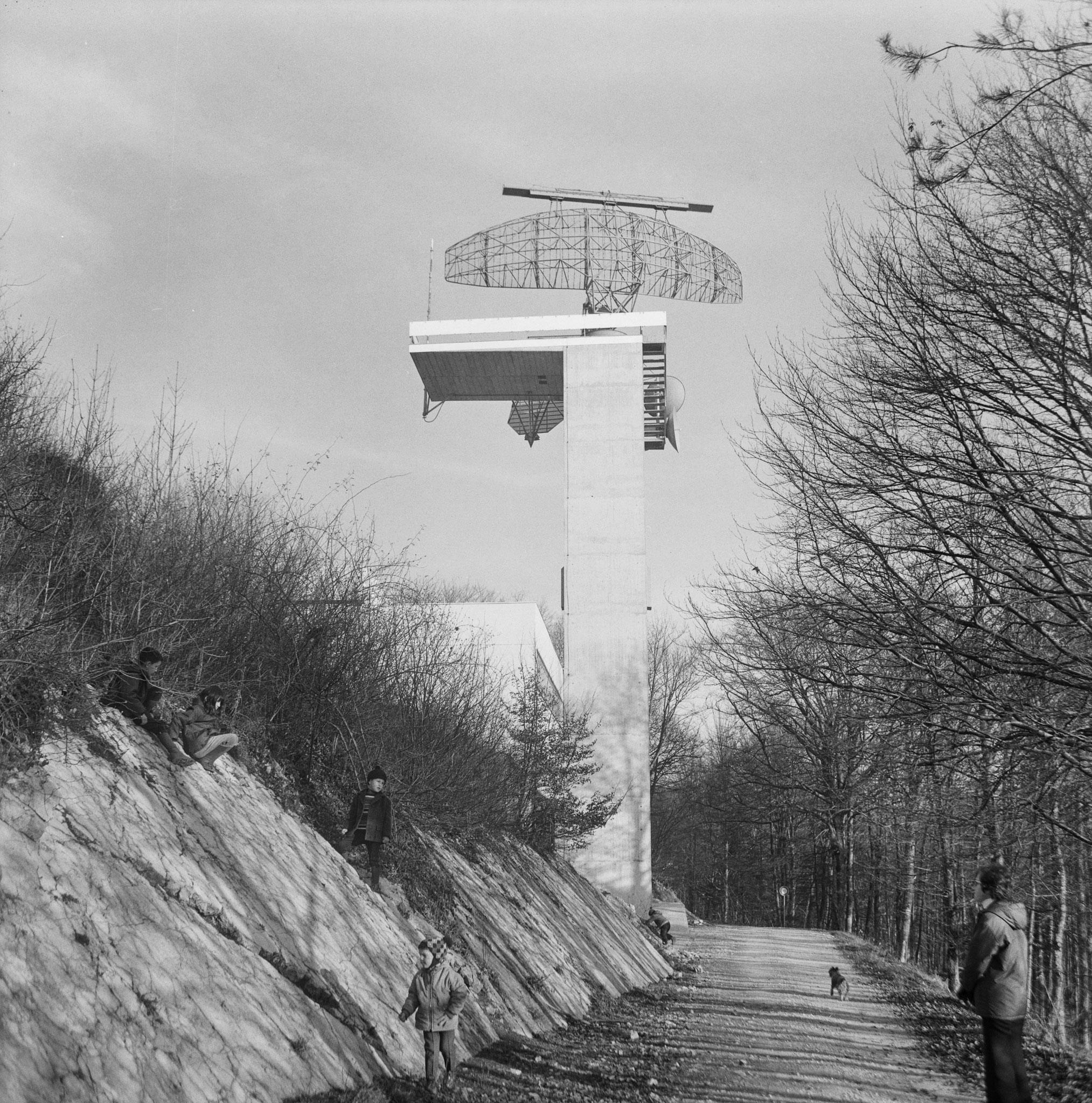 1959-1979::Erster Radarturm mit ungeschütztem Radar::Foto 30.11.1969::ETH-Bibliothek Zürich, Bildarchiv / Fotograf: Wyss, Max A. / Com_M18-0100-0002 / CC BY-SA 4.0