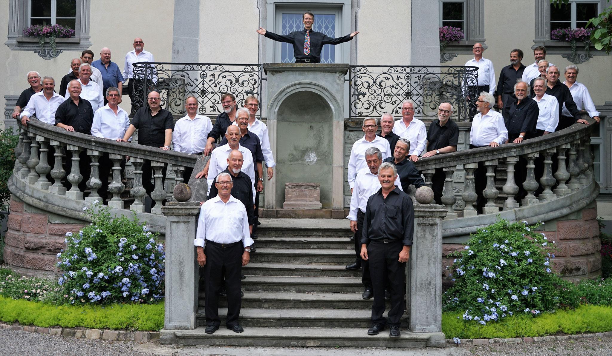MCB (schwarze Hemden) zusammen mit dem MC-Frick::am 8.7.2017 in Stein Säckingen(D)