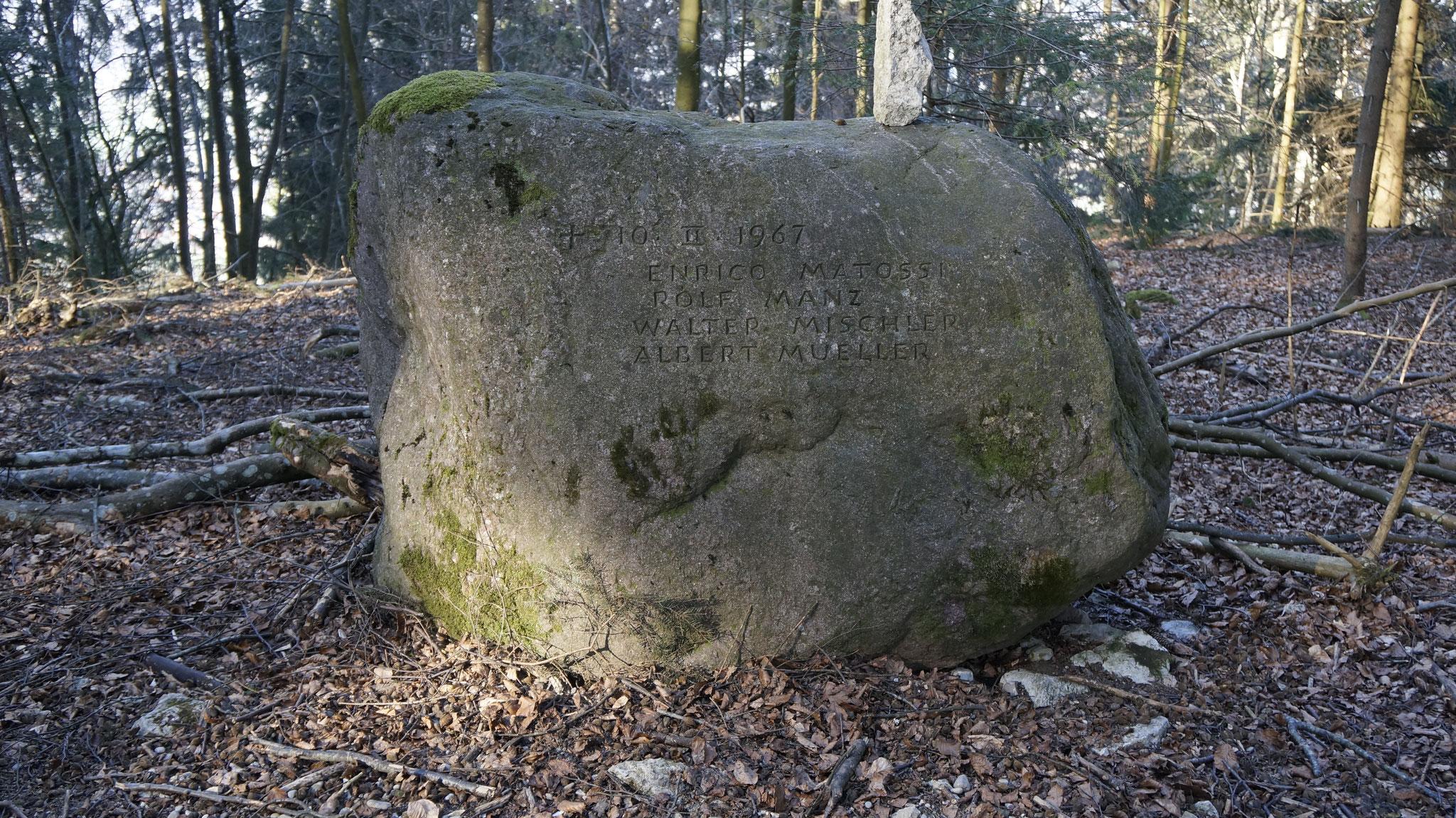 Gedenkstein bei der Absturzstelle «Ebrächt»