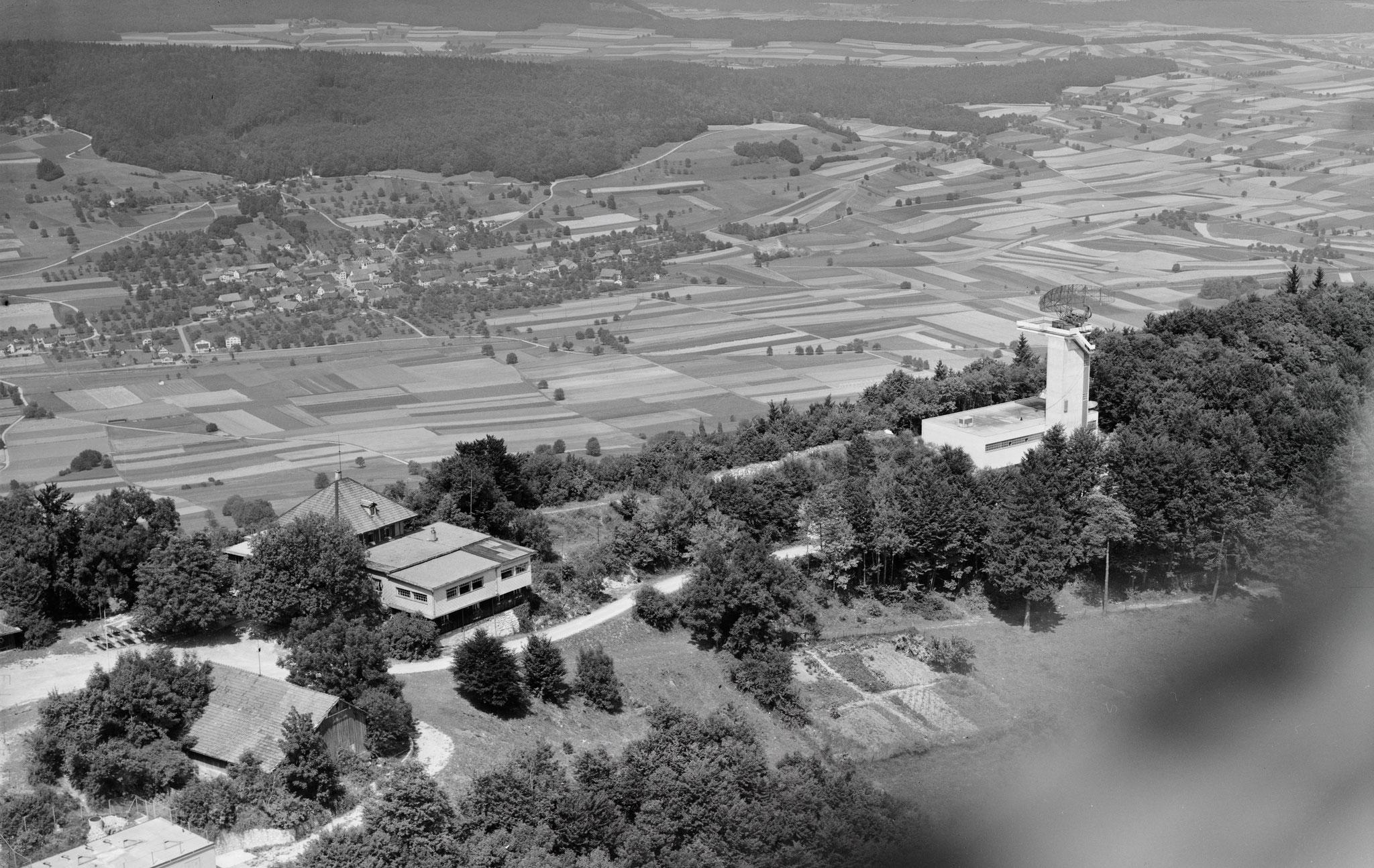 1961 Inbetriebnahme des 1. Radars auf der Hochwacht::Bild von 1964 / ETH-Bibliothek Zürich, Bildarchiv / Fotograf: Comet Photo AG (Zürich) / Com_F64-03601 / CC BY-SA 4.0