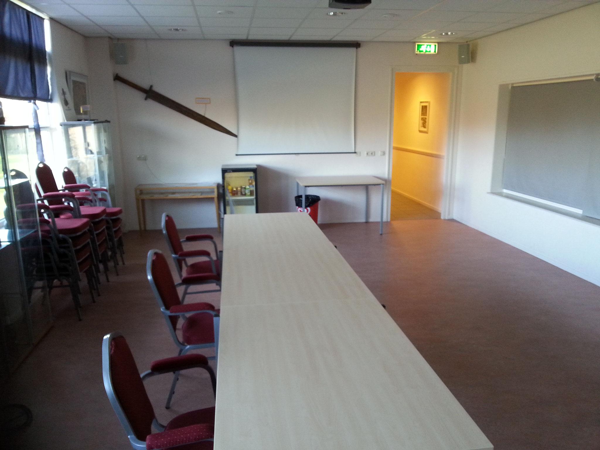 Veemanseal - 55 m2 (tot ca. 30 personen - voor cursus of vergadering - beamer, flipover, t.v.scherm aanwezig)