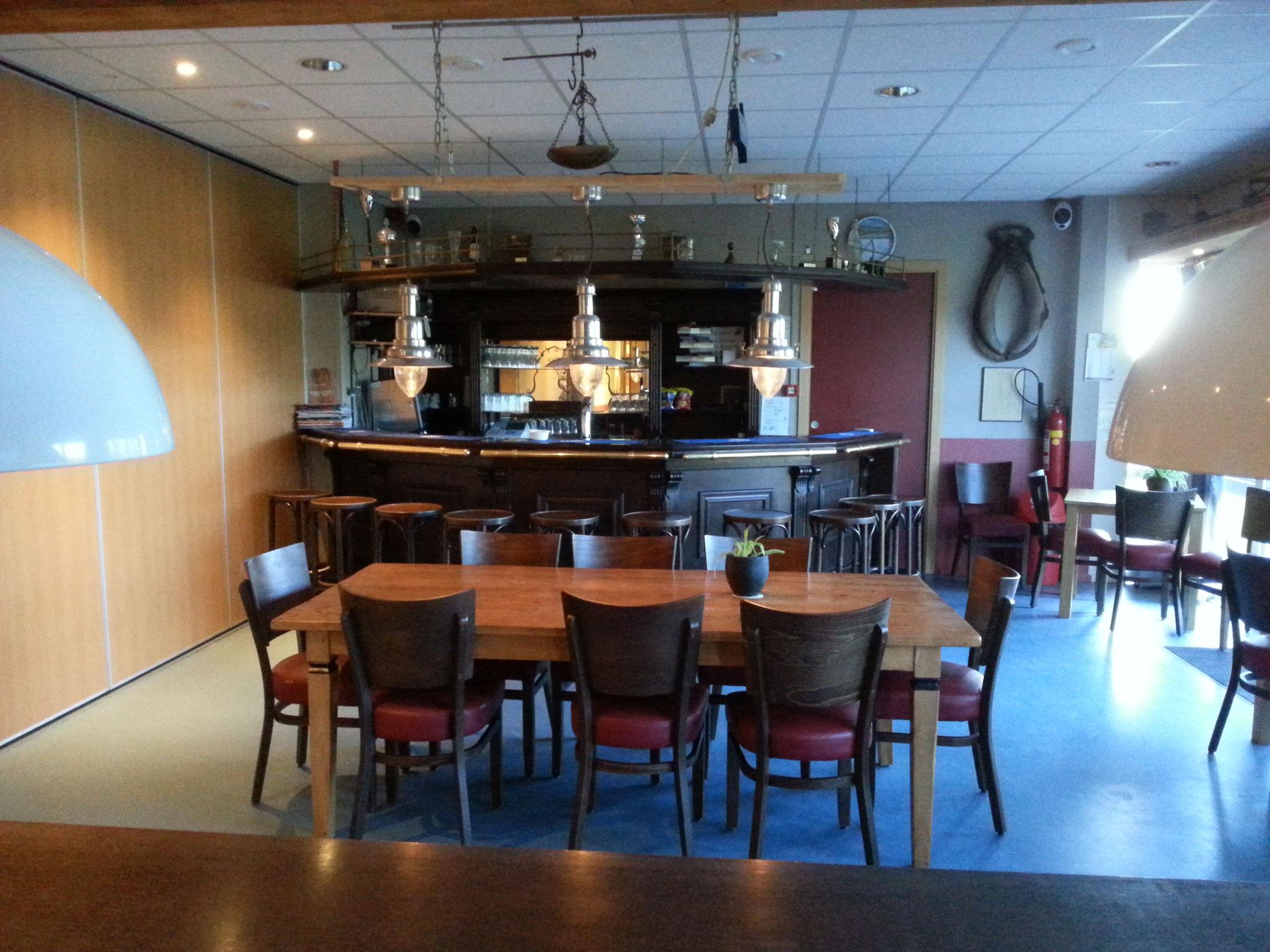 Bar - vrij toegankelijk als Piers' Stee open is