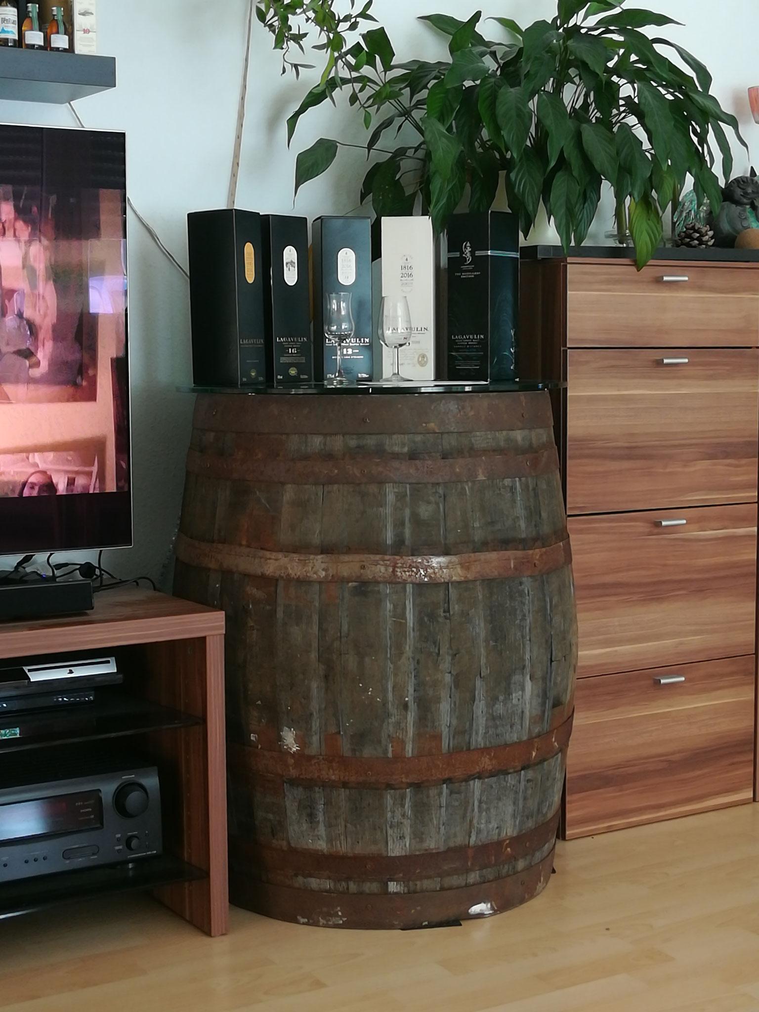 mein Original Whiskyfaß im Wohnzimmer
