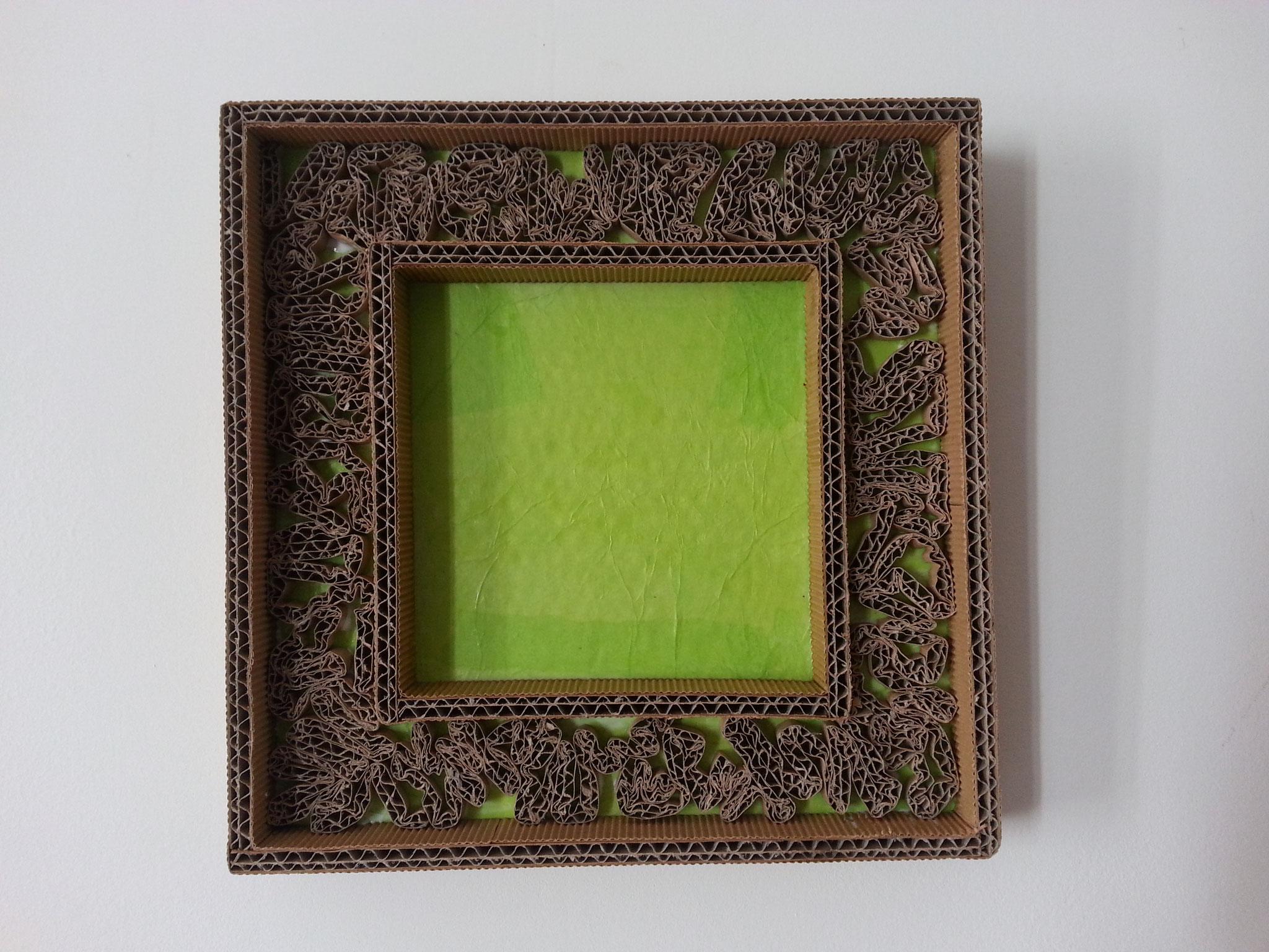 Prêt à recevoir un tableau ou une image avant l'accrochage.
