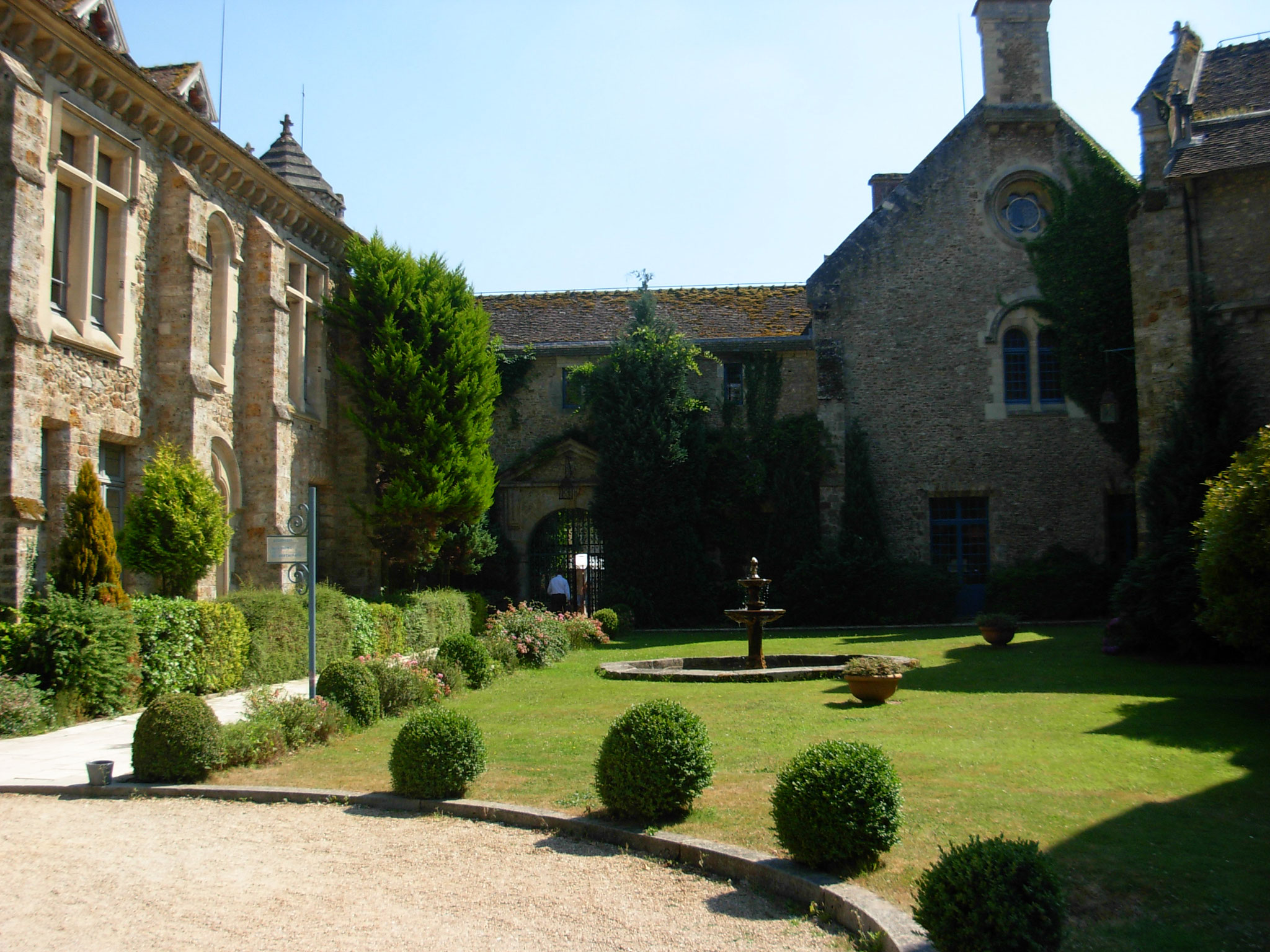 Vaux-de-Cernay abbey