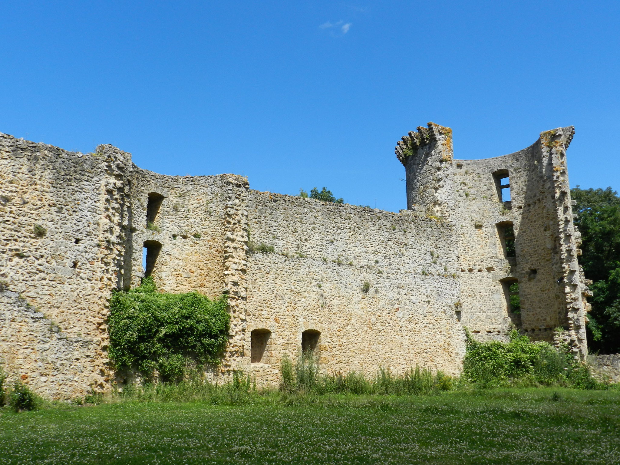 Chevreuse castle