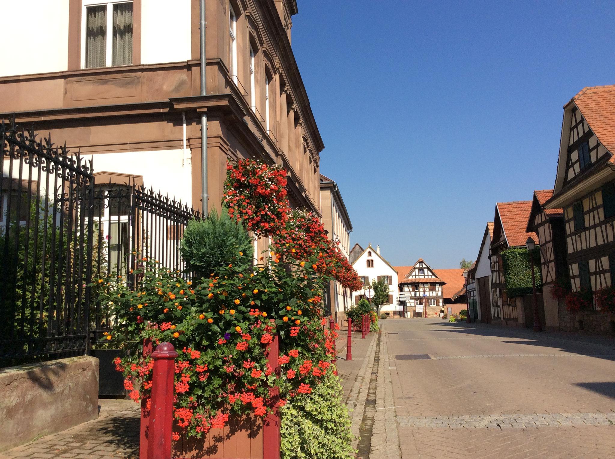 La rue côté mairie