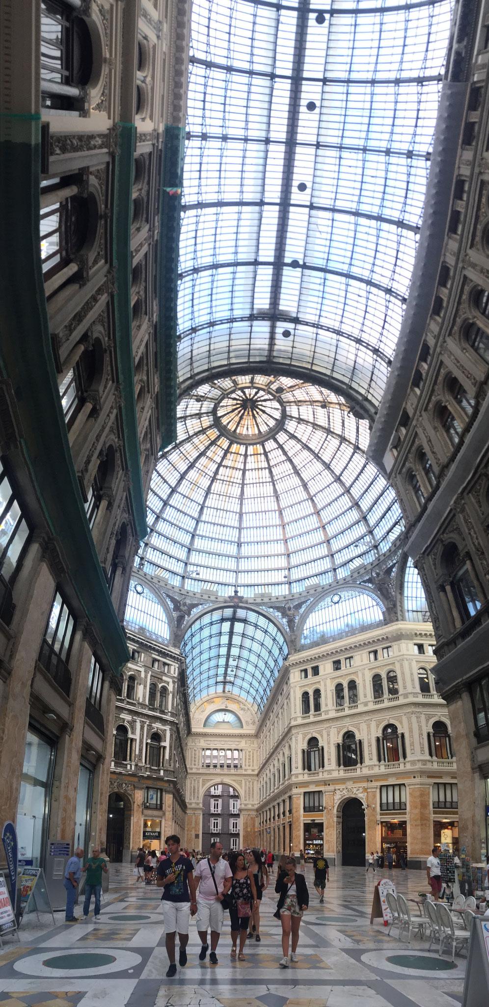 Napoli, Galleria Umberto I°