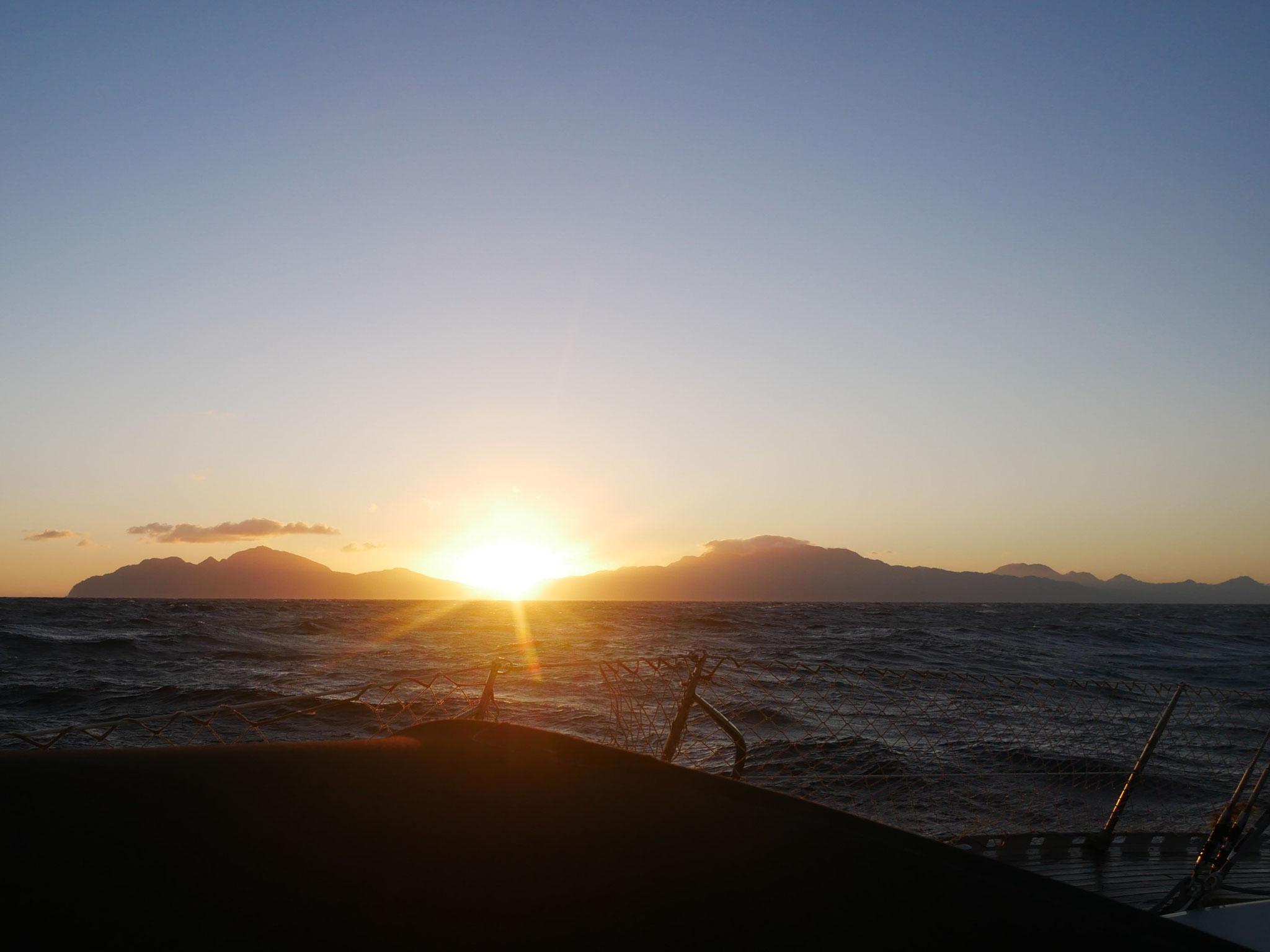 Lever de soleil au large de la Dominique