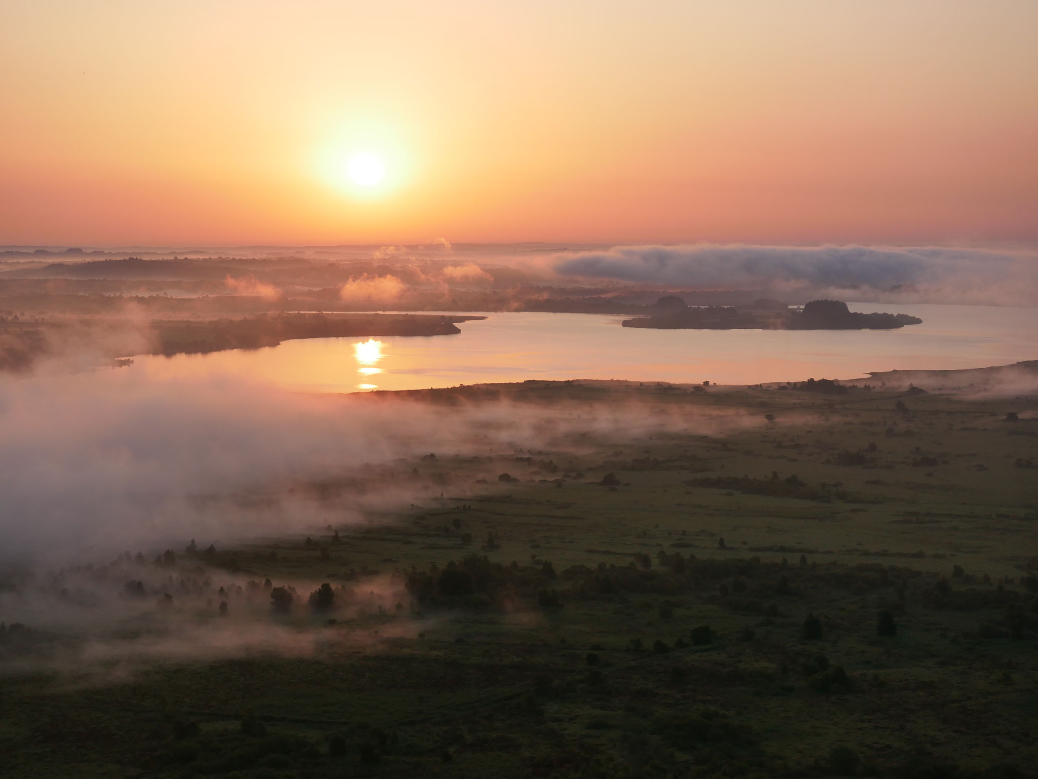 Lever de soleil sur les monts d'Arrée