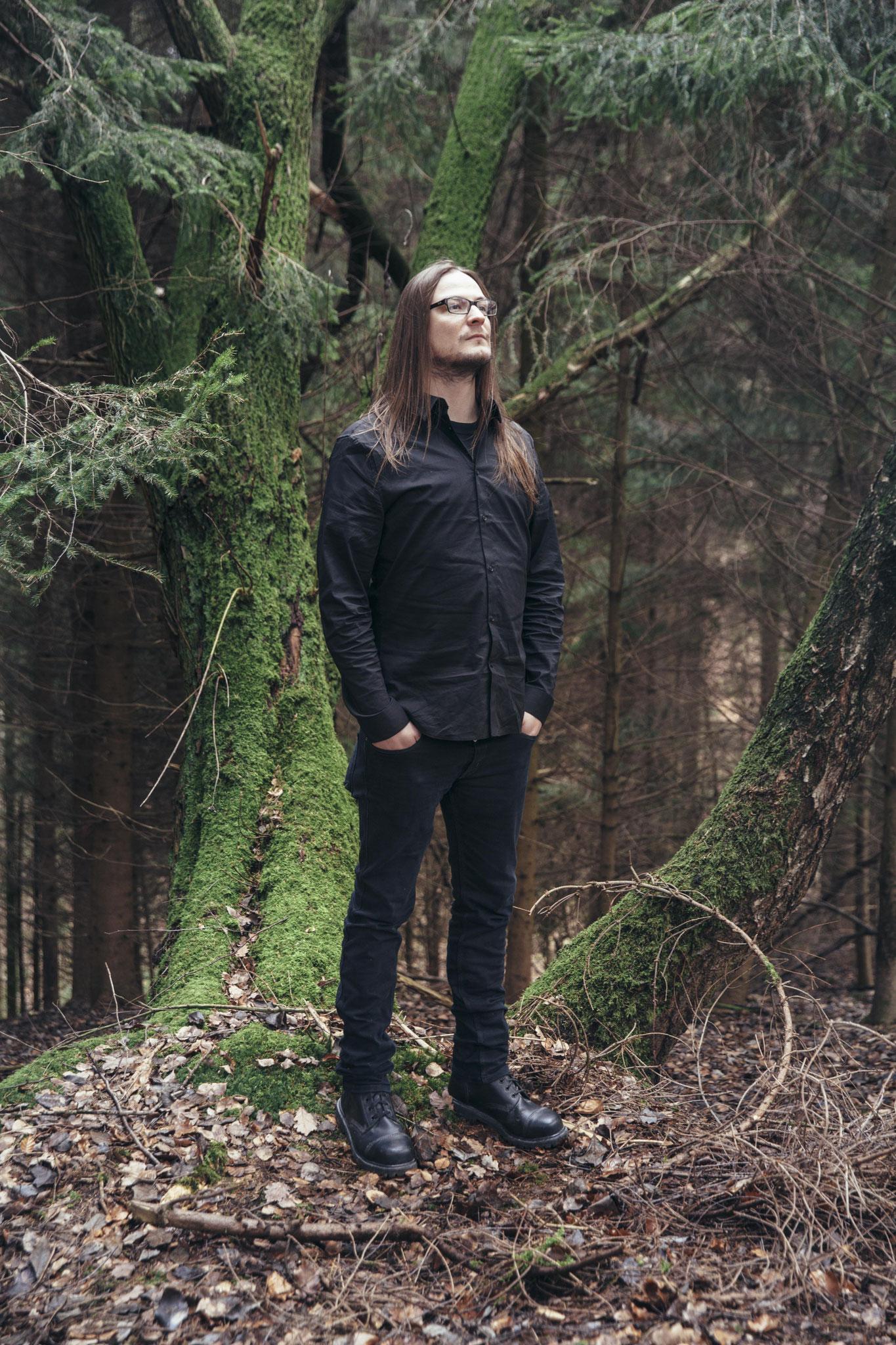 Dan Gloden (Guitar)