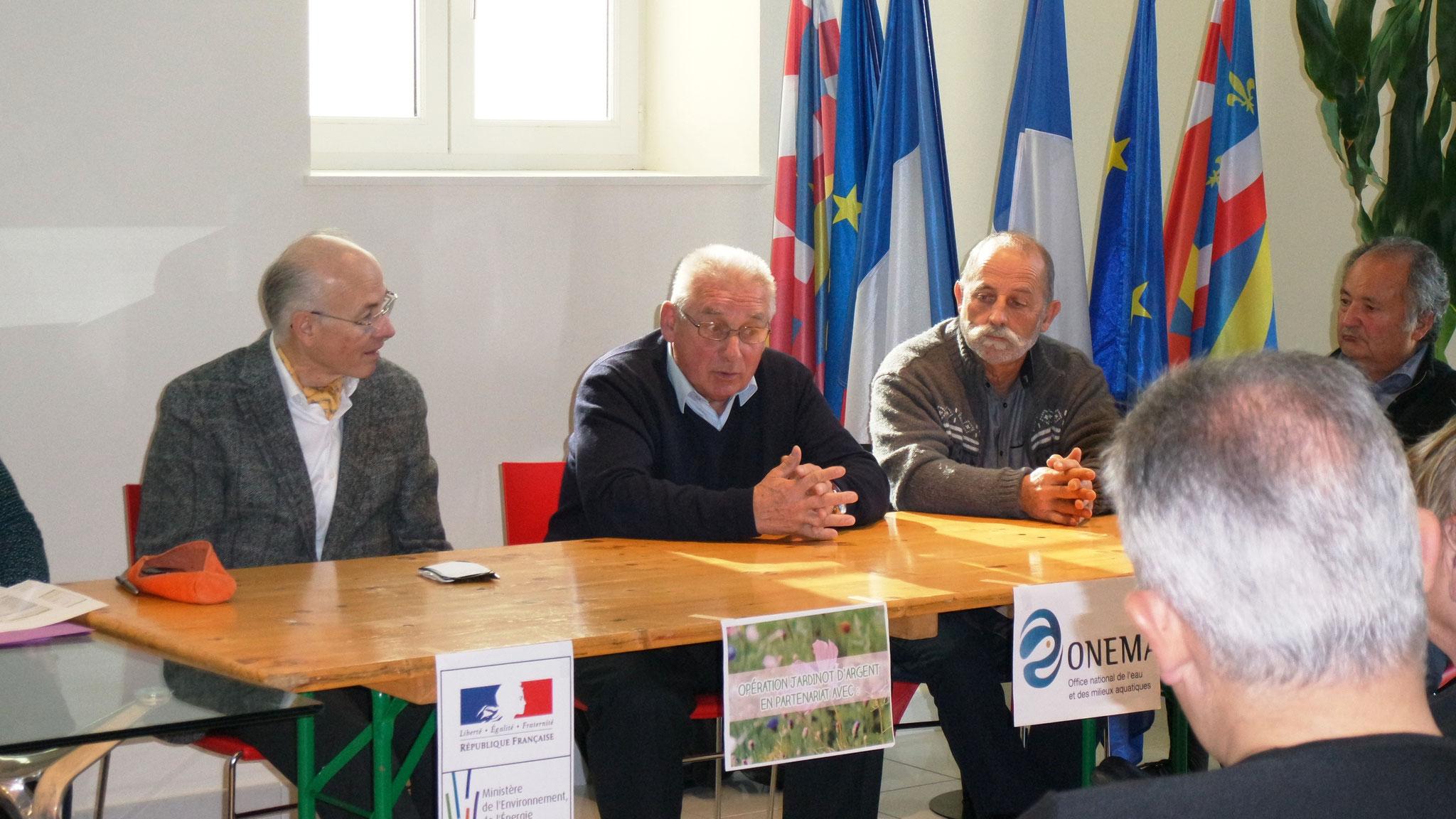 M. Chapuis Conseiller départemental, M. Lenoir Maire, M. Thallinger Jardinot