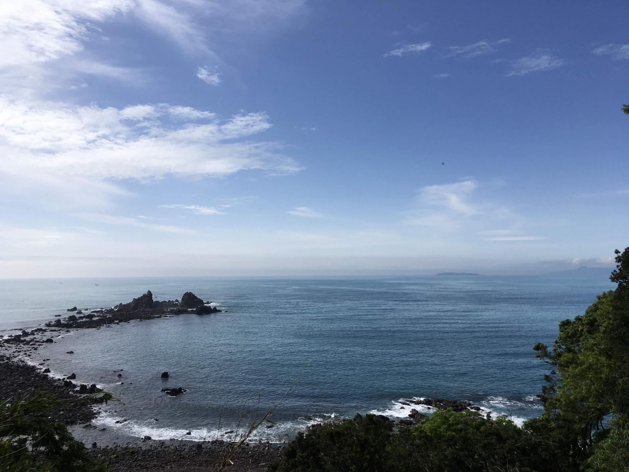サロンから車で5分 真鶴 三ツ石海岸