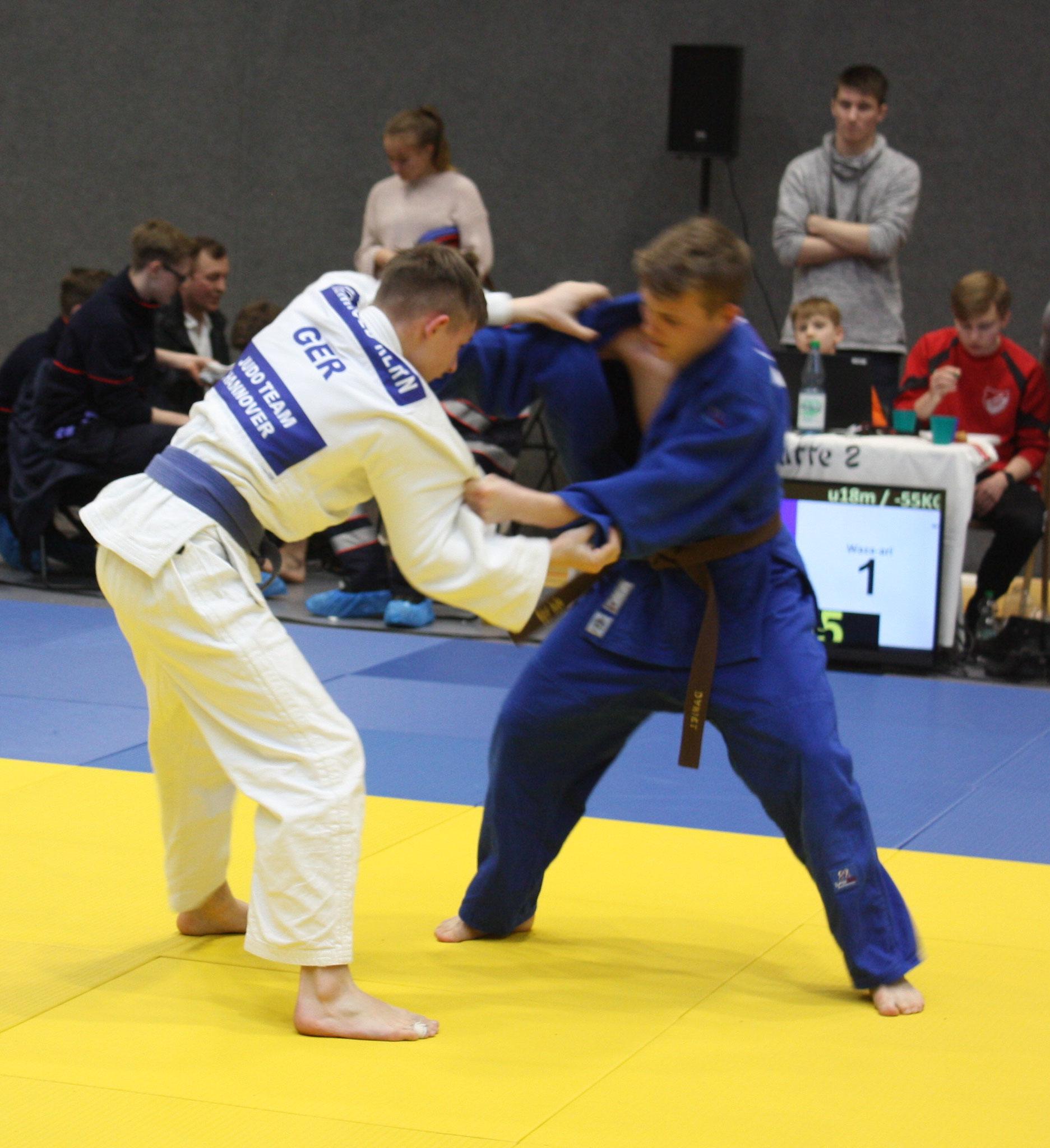 Daniel Gardt in blau