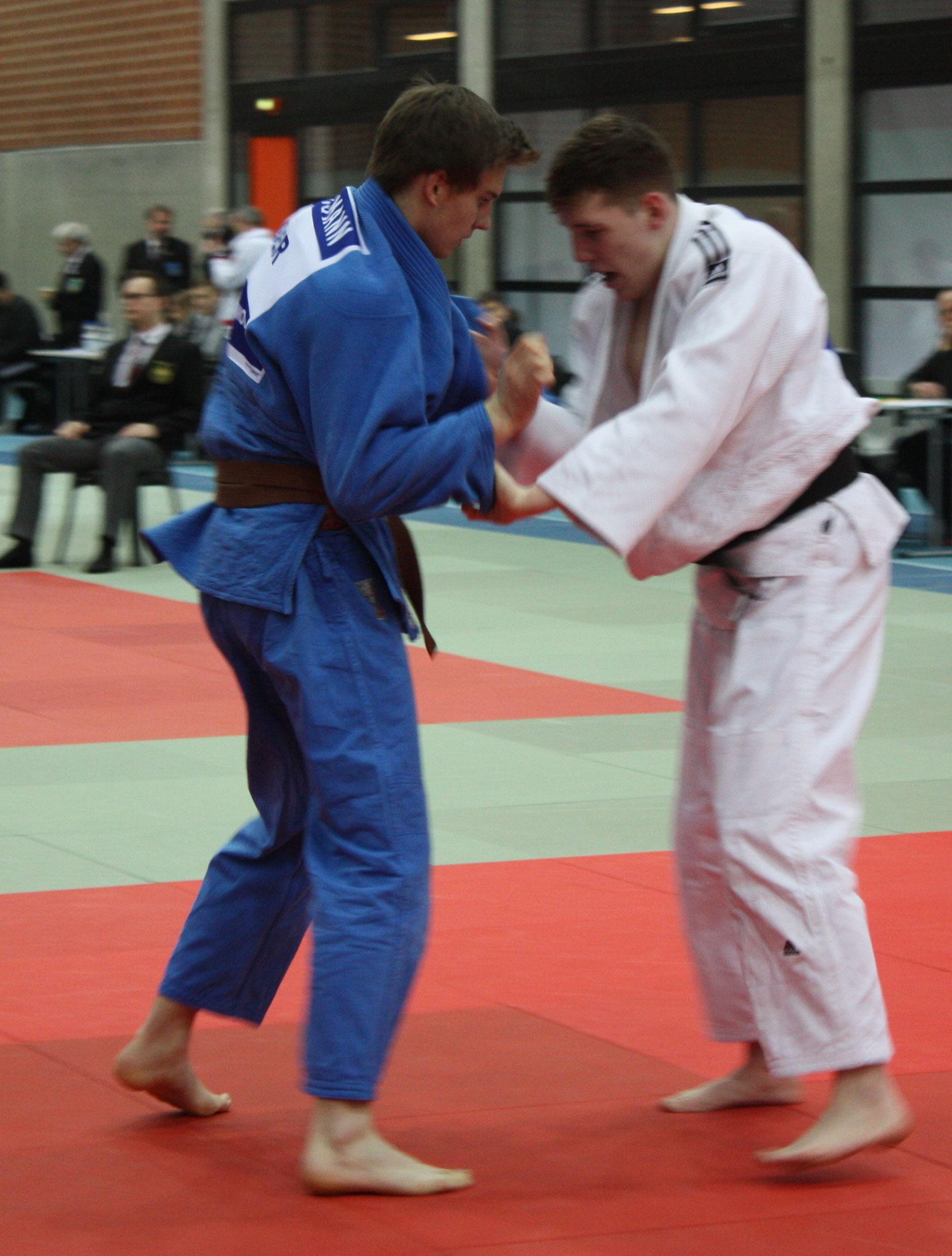 U21 Tom Böhling/blau – im Kampf um Platz 3 mit Bengt Schulz.