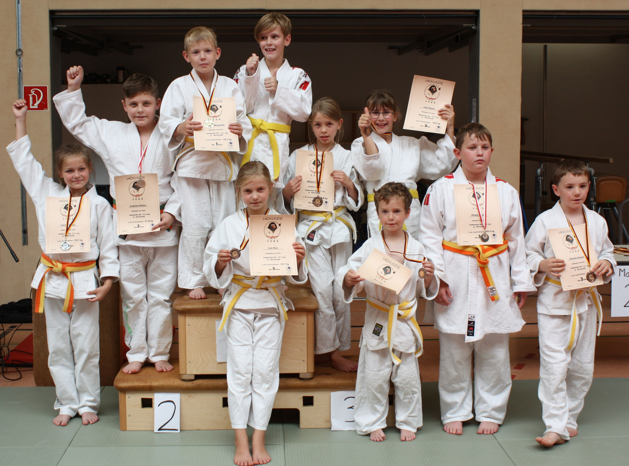 Alle Judoka vom SC Hemmoor nach den erfolgreichen Kämpfen.