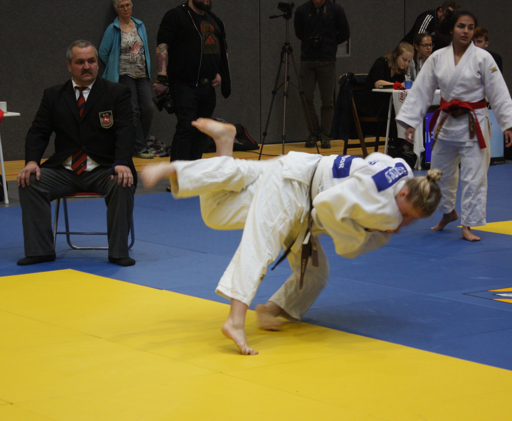 Chiara Pätzold wirft ihre Gegnerin aus Hannover erfolgreich mit Uchi-Mata