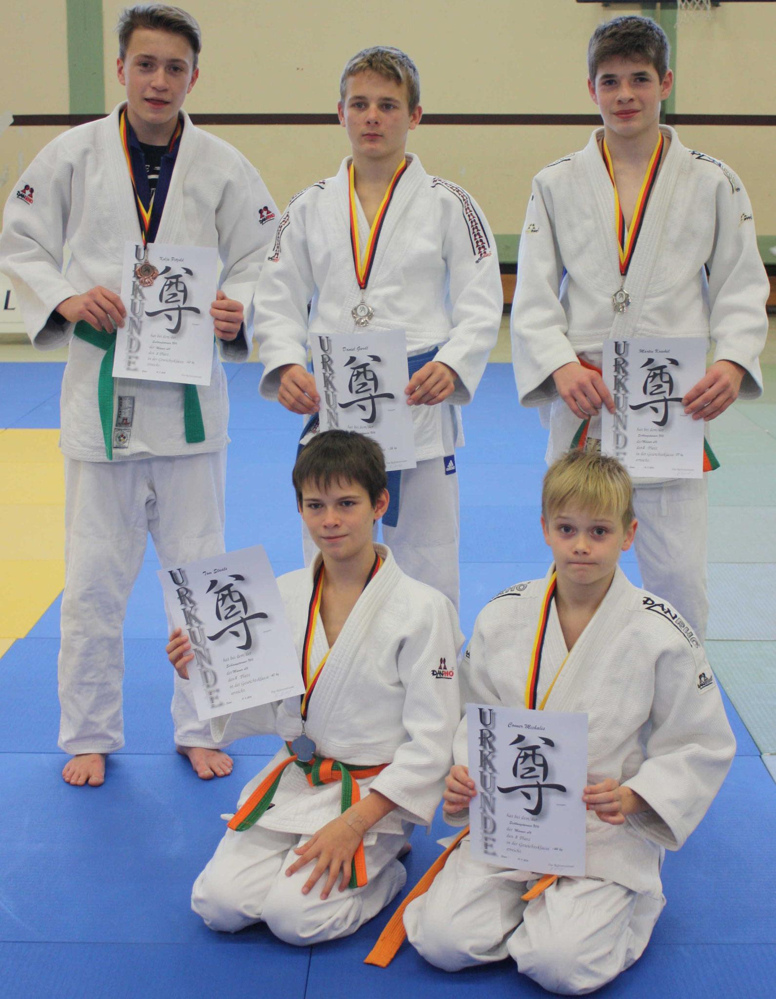stehend von links: Kolja Pätzold, Daniel Gardt, Martin Koschel – unten von links Tom Staats und Conner Michaelis