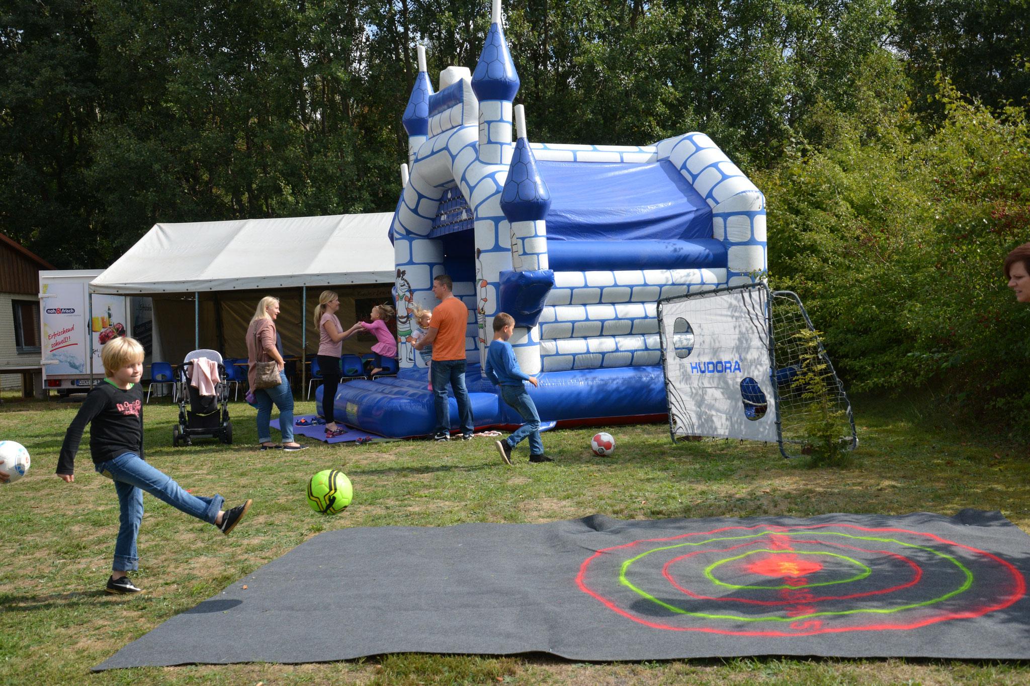 Fußball-Aktionen für Kinder - Punktlandung!